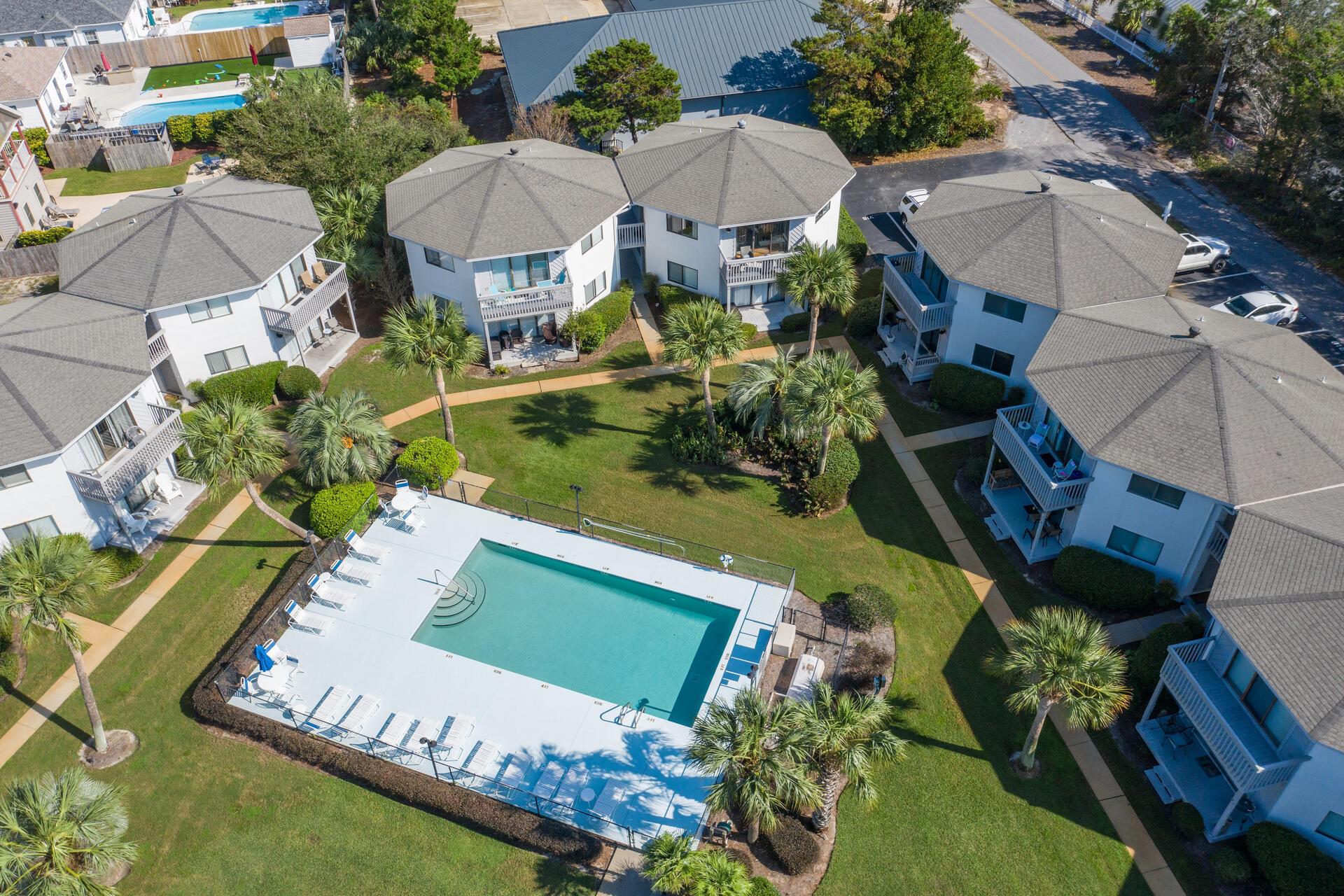Photo of home for sale at 285 Payne, Miramar Beach FL