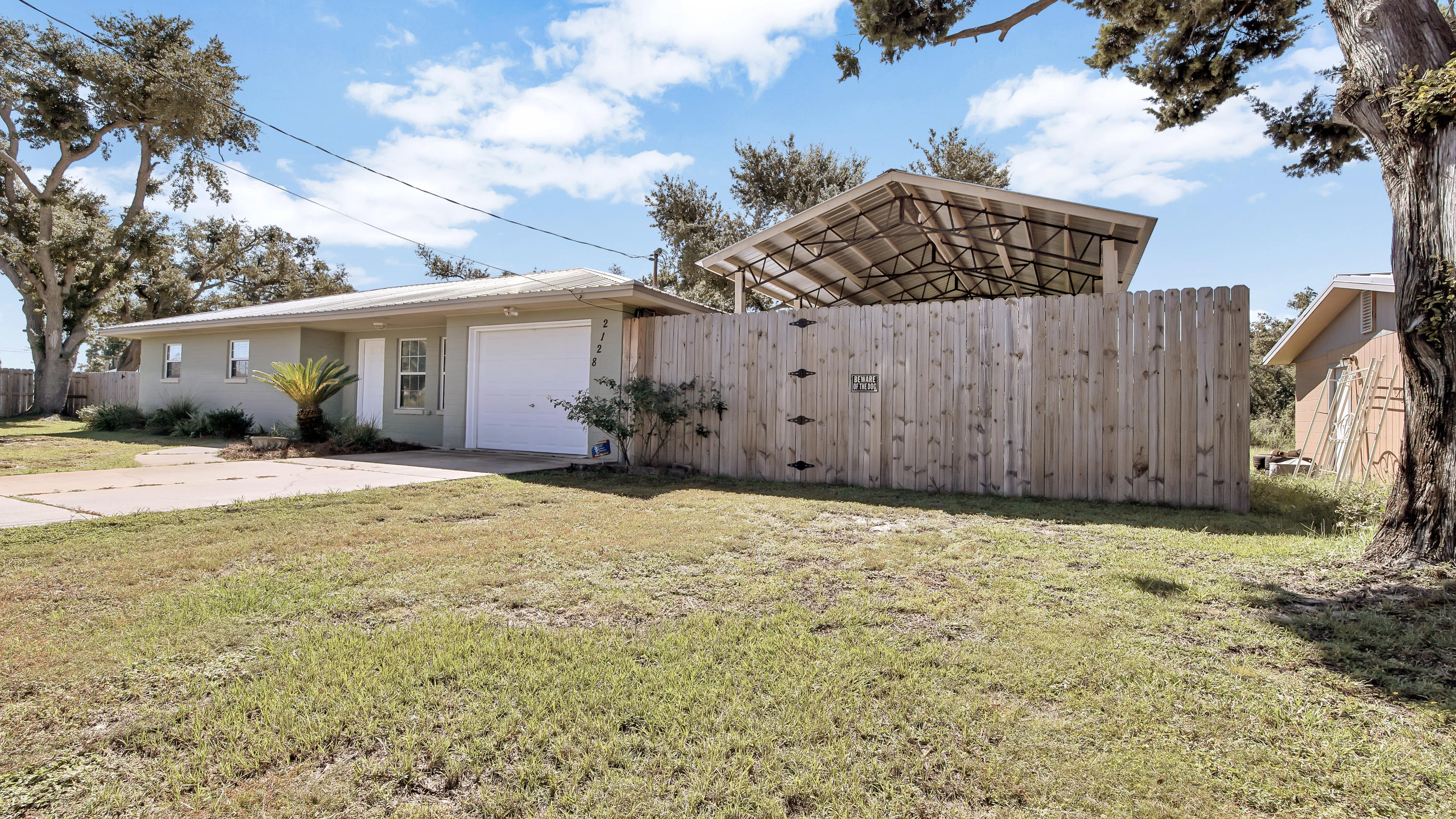 Photo of home for sale at 2128 8th, Panama City FL