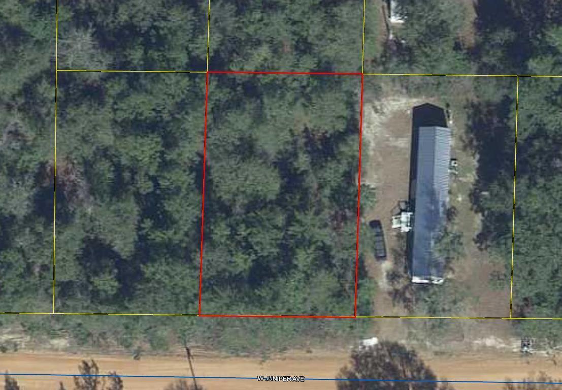Photo of home for sale at 18 Juniper, Defuniak Springs FL