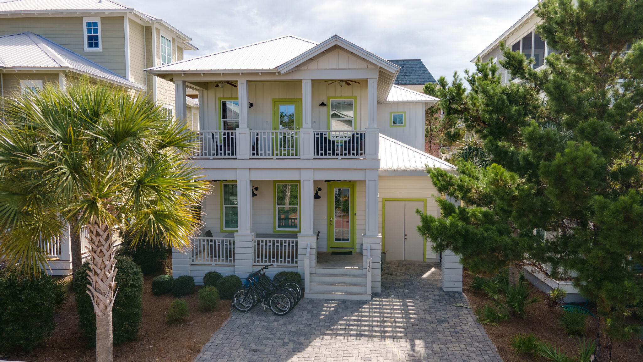 Photo of home for sale at 140 Flip Flop, Inlet Beach FL