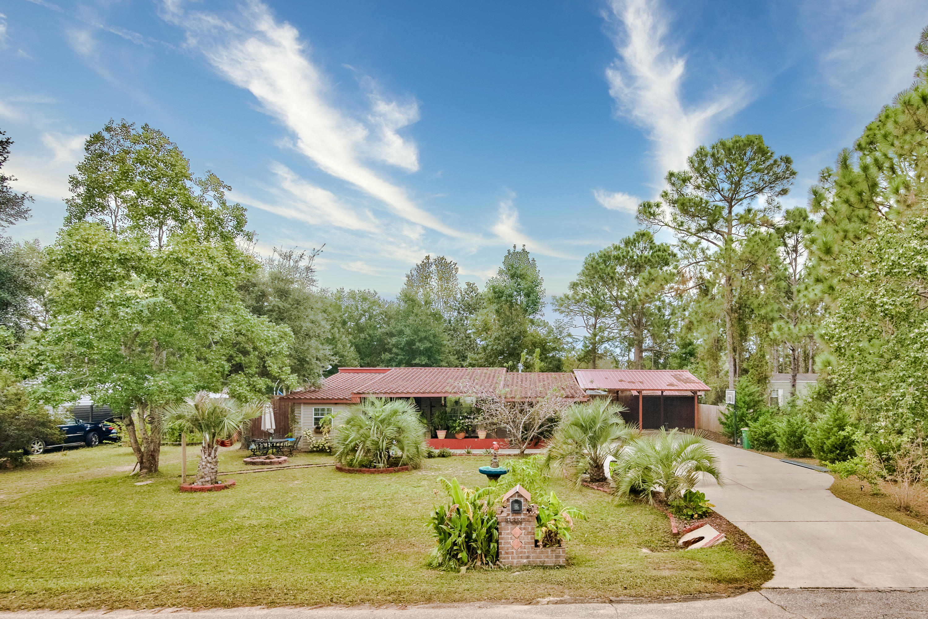 Photo of home for sale at 8357 Verano, Navarre FL