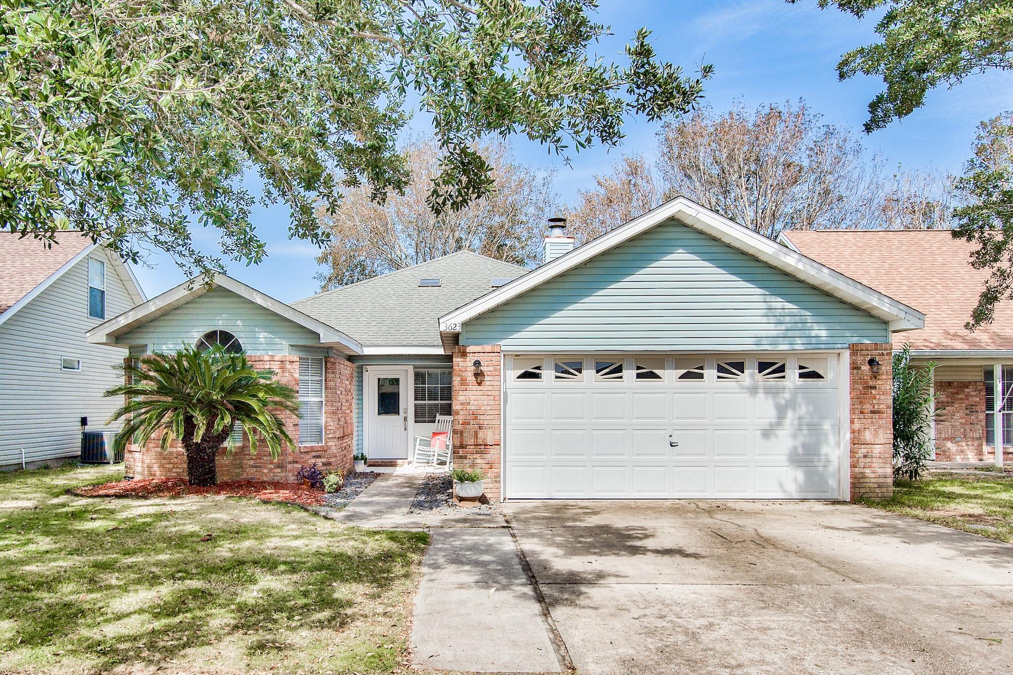 Photo of home for sale at 3623 Goldsbys, Destin FL