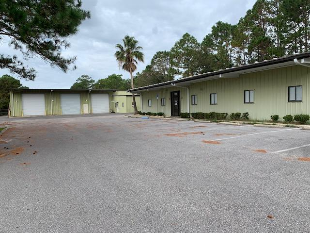 Photo of home for sale at 50 Hill, Fort Walton Beach FL