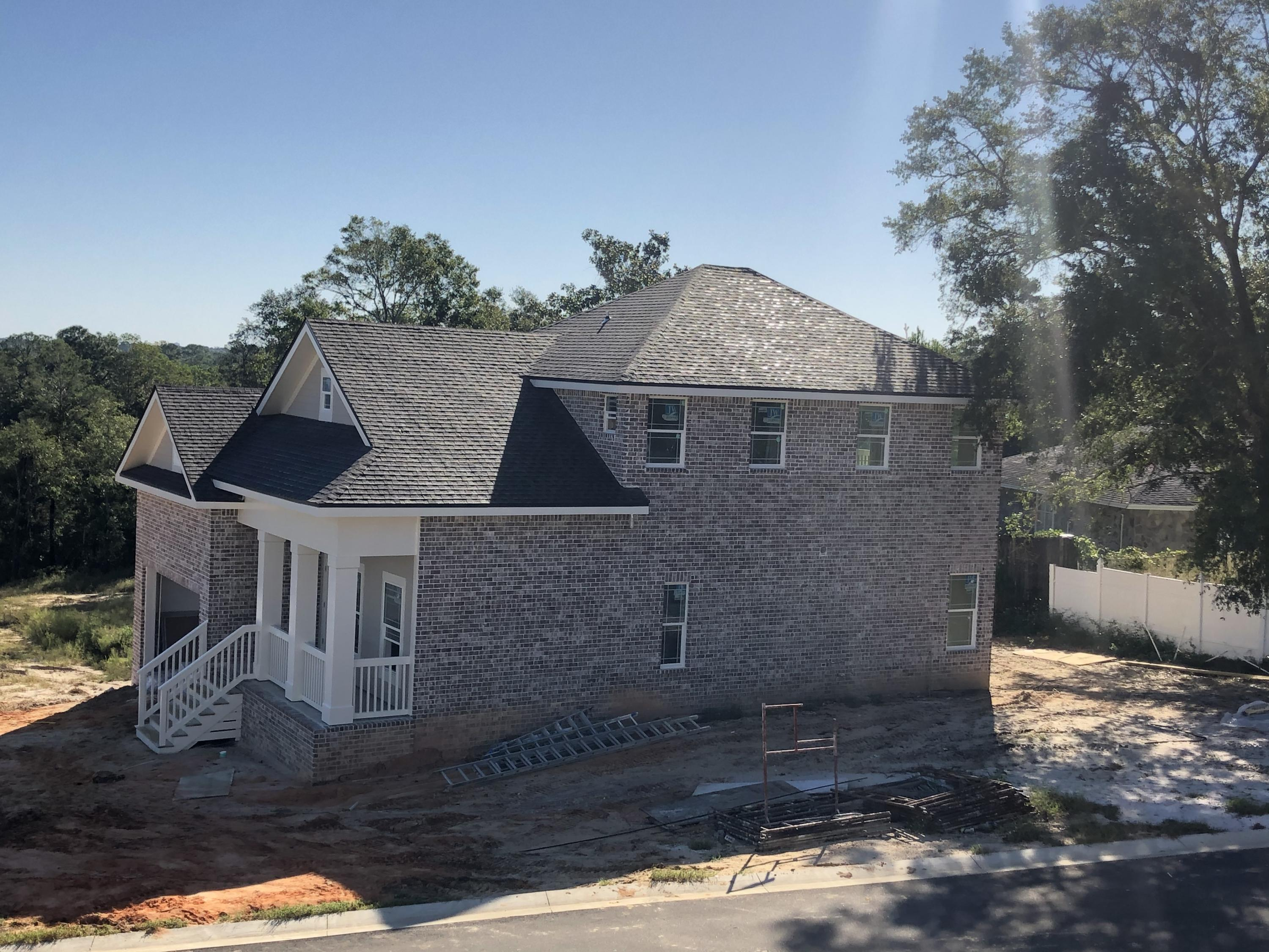 Photo of home for sale at 512 Harborview, Niceville FL