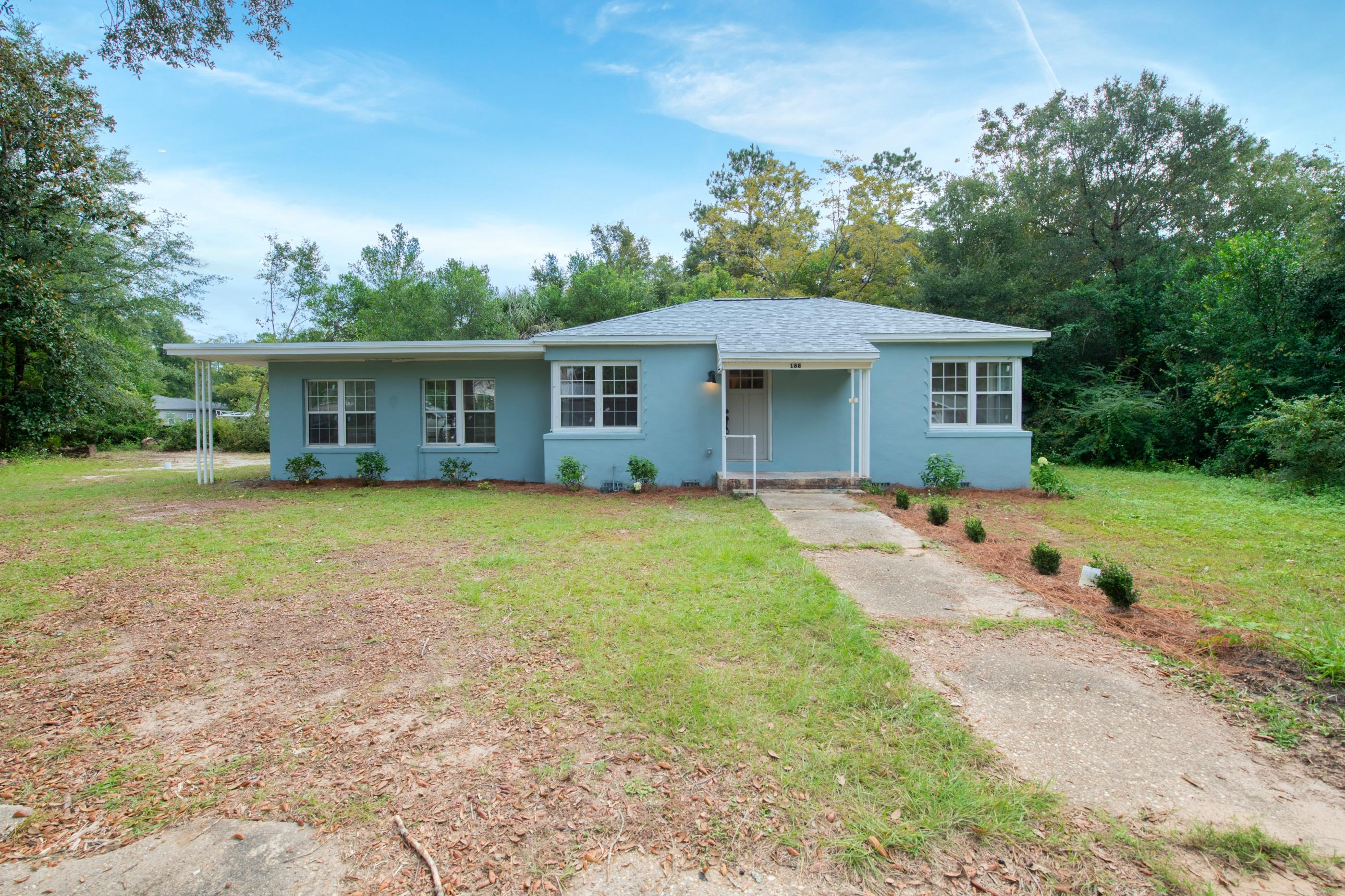Photo of home for sale at 188 Georgia, Crestview FL