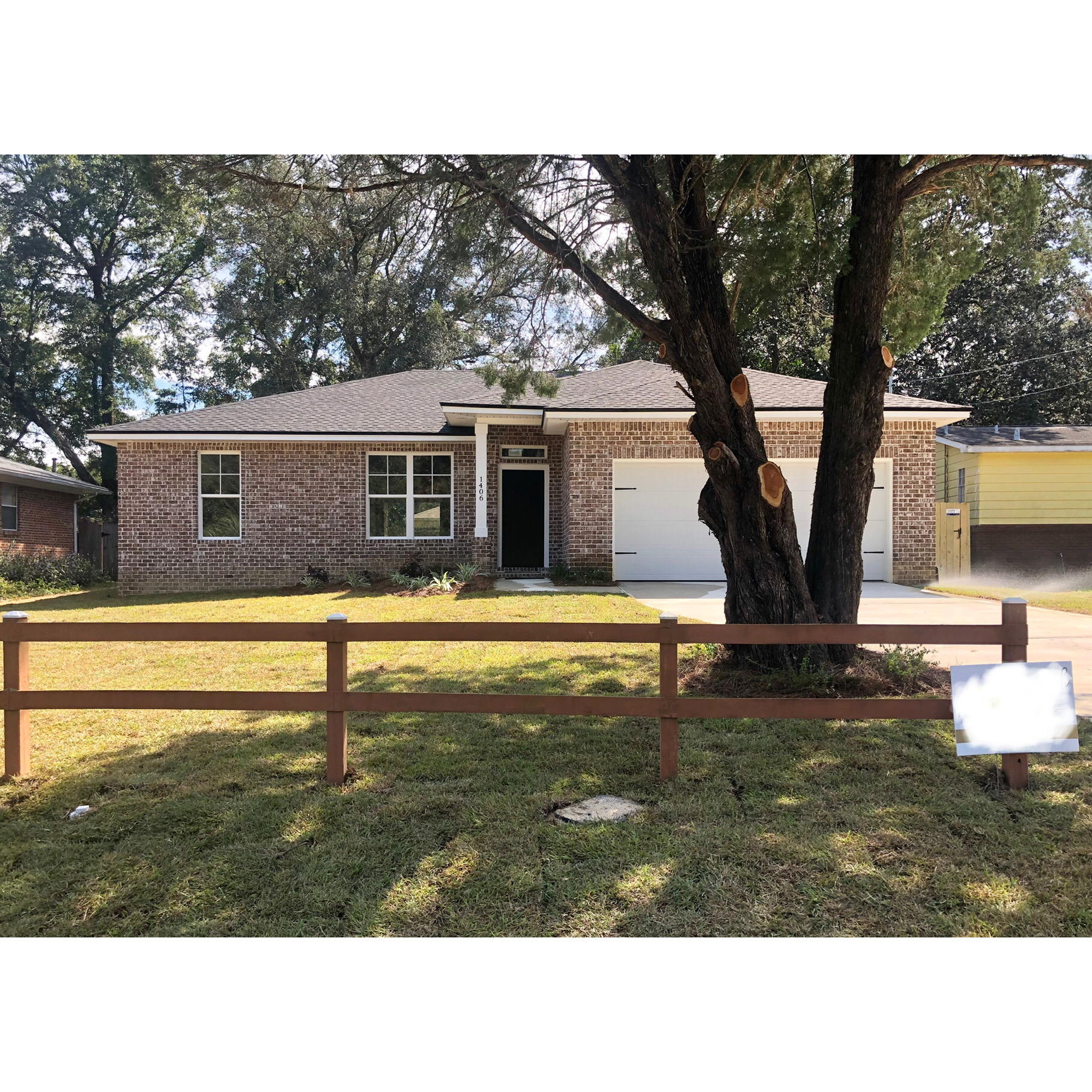 Photo of home for sale at 1406 23rd, Niceville FL