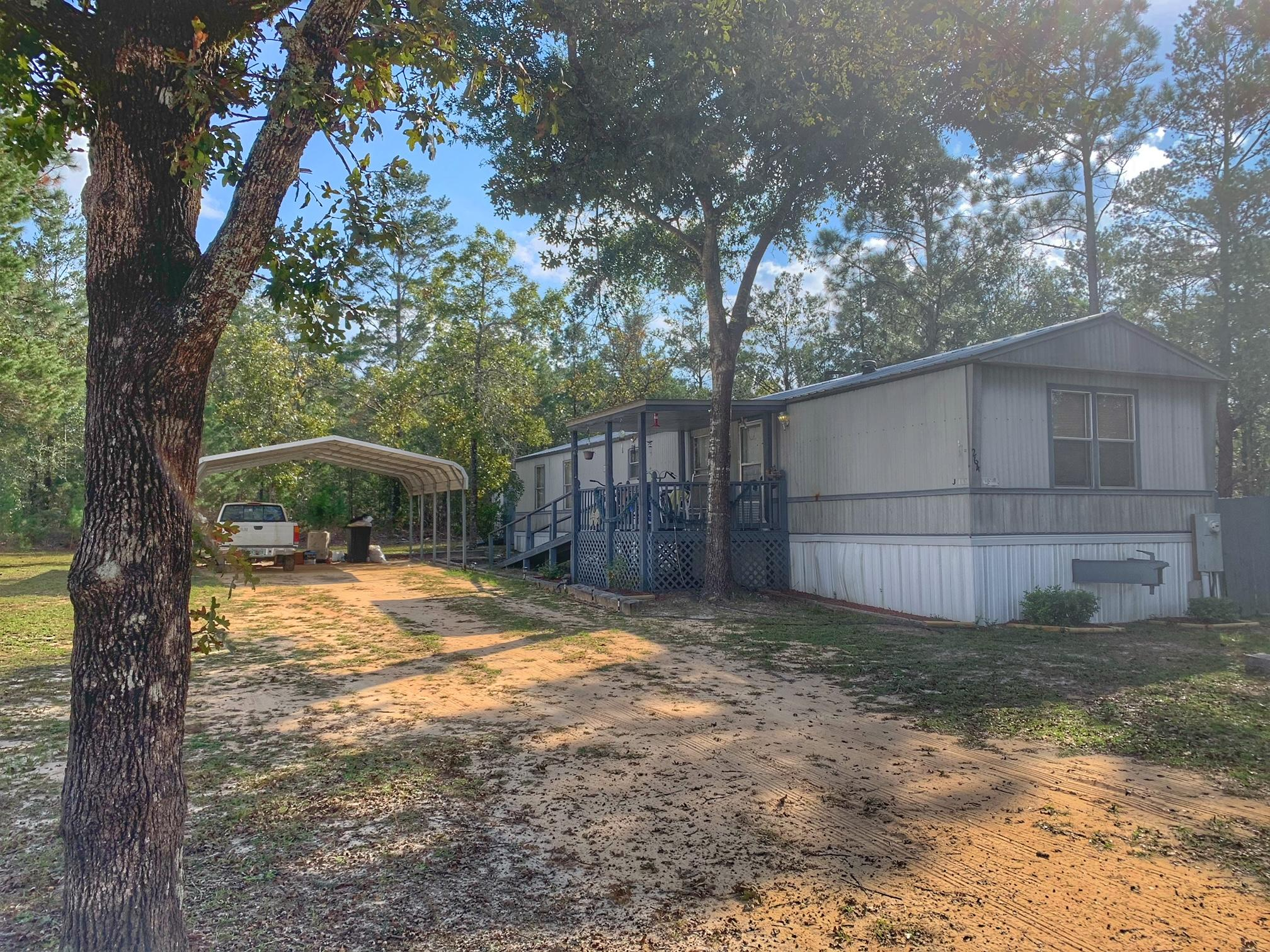 Photo of home for sale at 264 Tiger Lily, Defuniak Springs FL