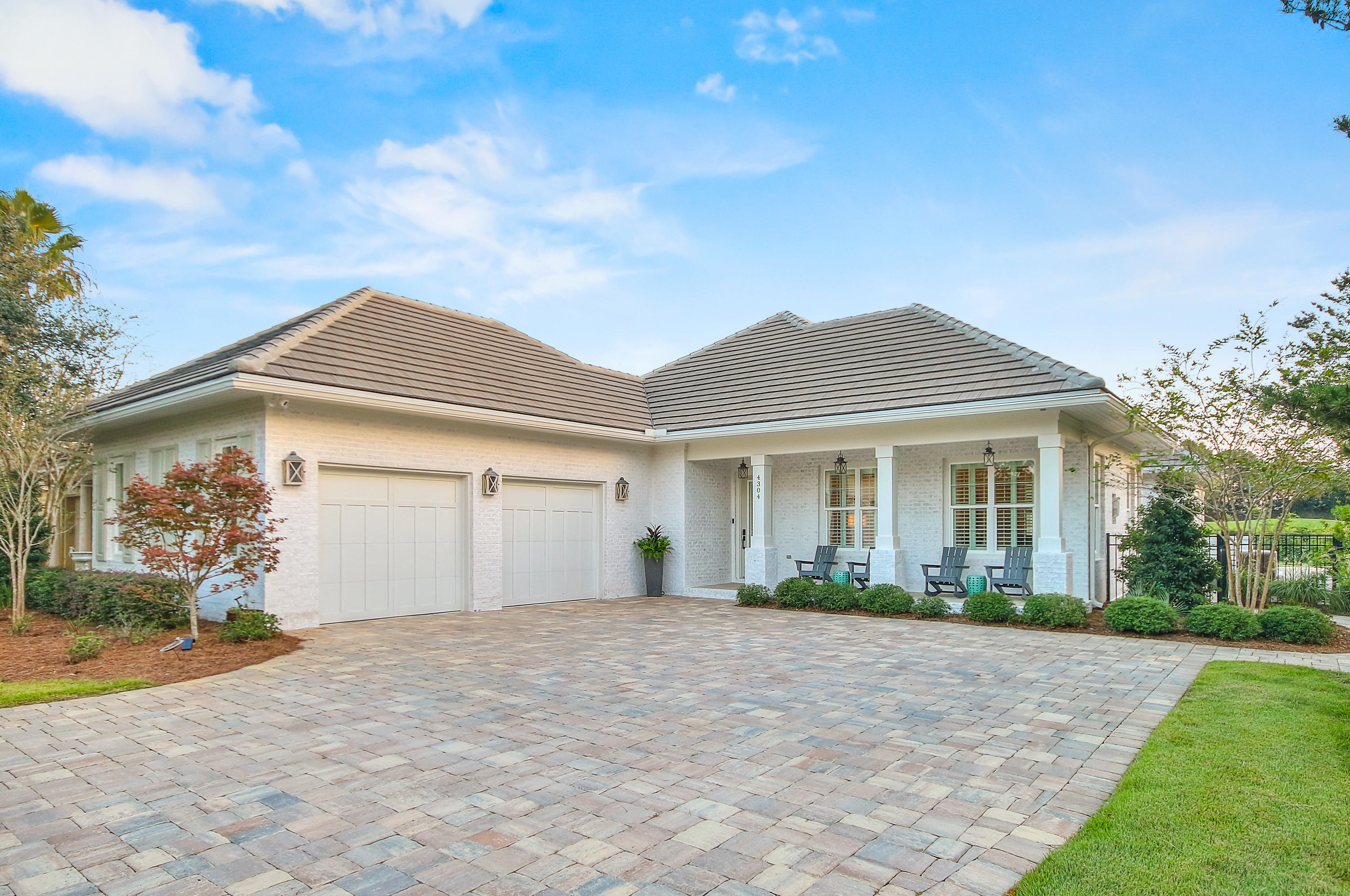 Photo of home for sale at 4304 Coach, Destin FL
