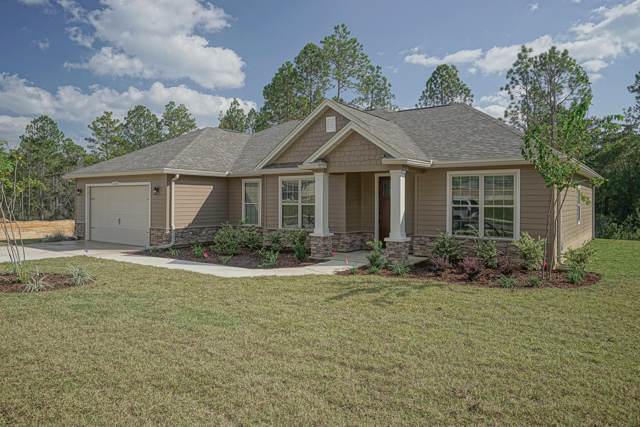 Photo of home for sale at 6196 Timberland Ridge, Crestview FL