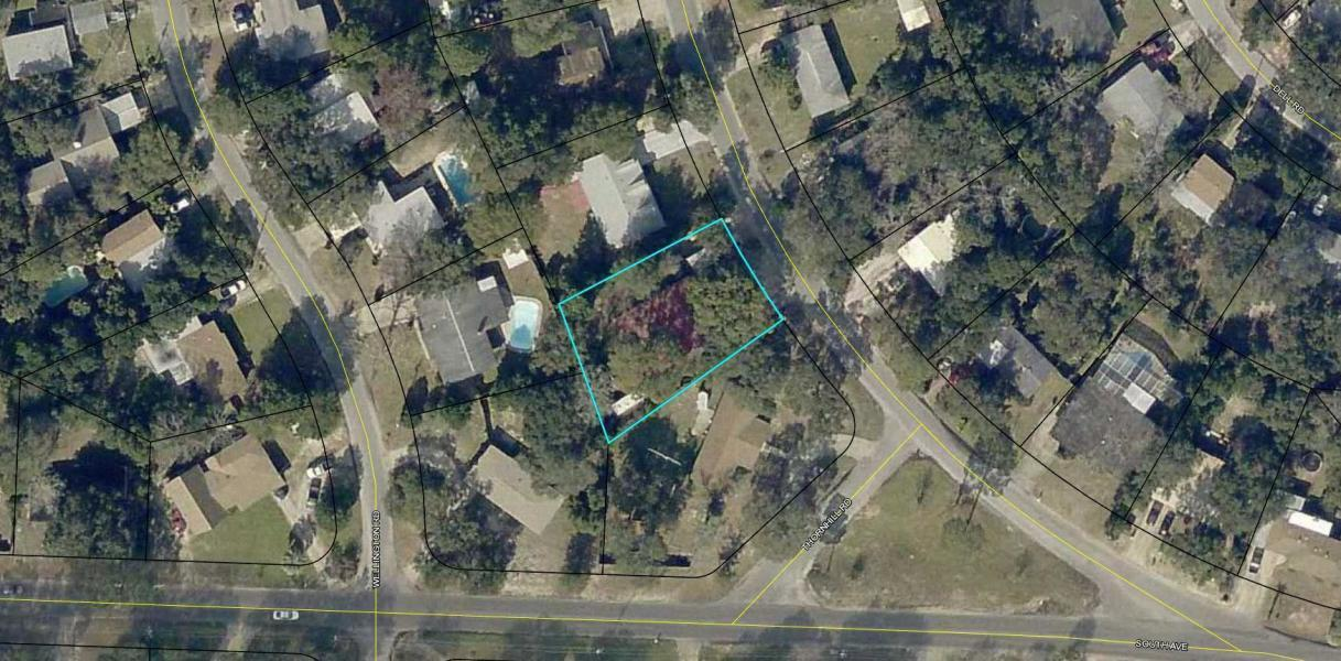 Photo of home for sale at 102 Thornhill, Fort Walton Beach FL