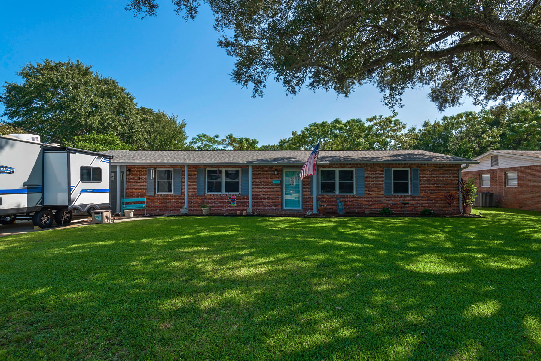 Photo of home for sale at 228 Sotir, Fort Walton Beach FL