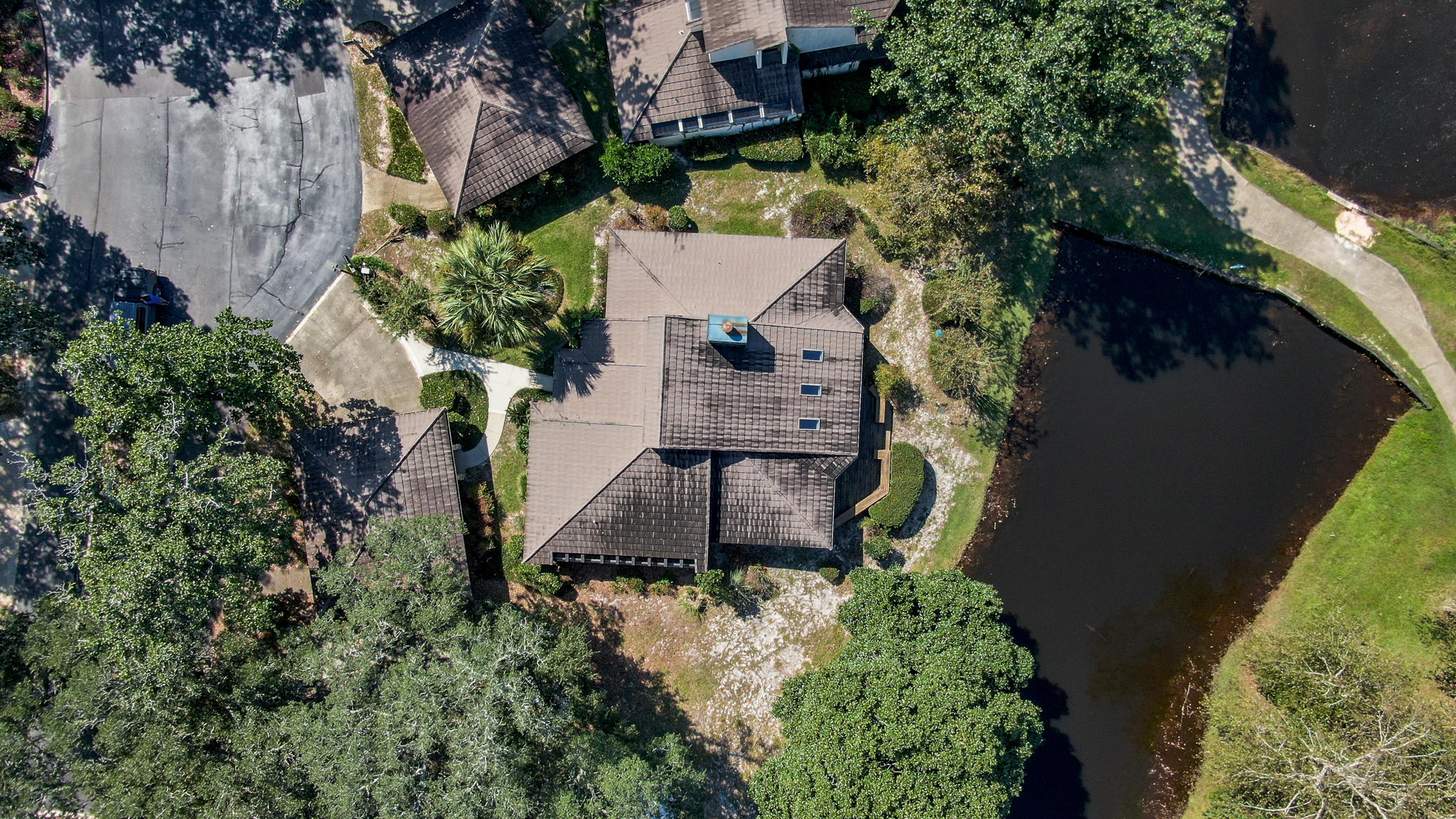 Photo of home for sale at 19 Balmoral, Niceville FL