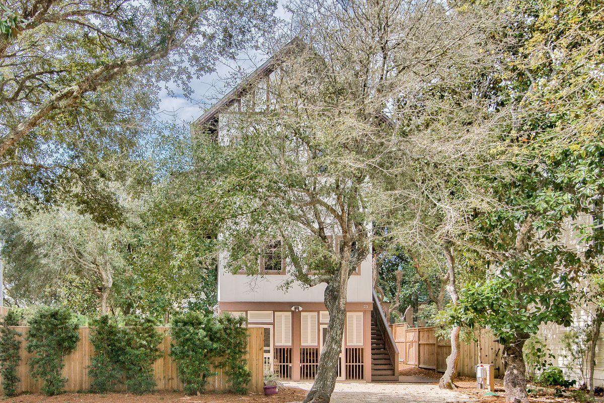 Photo of home for sale at 23 Live Oak, Santa Rosa Beach FL