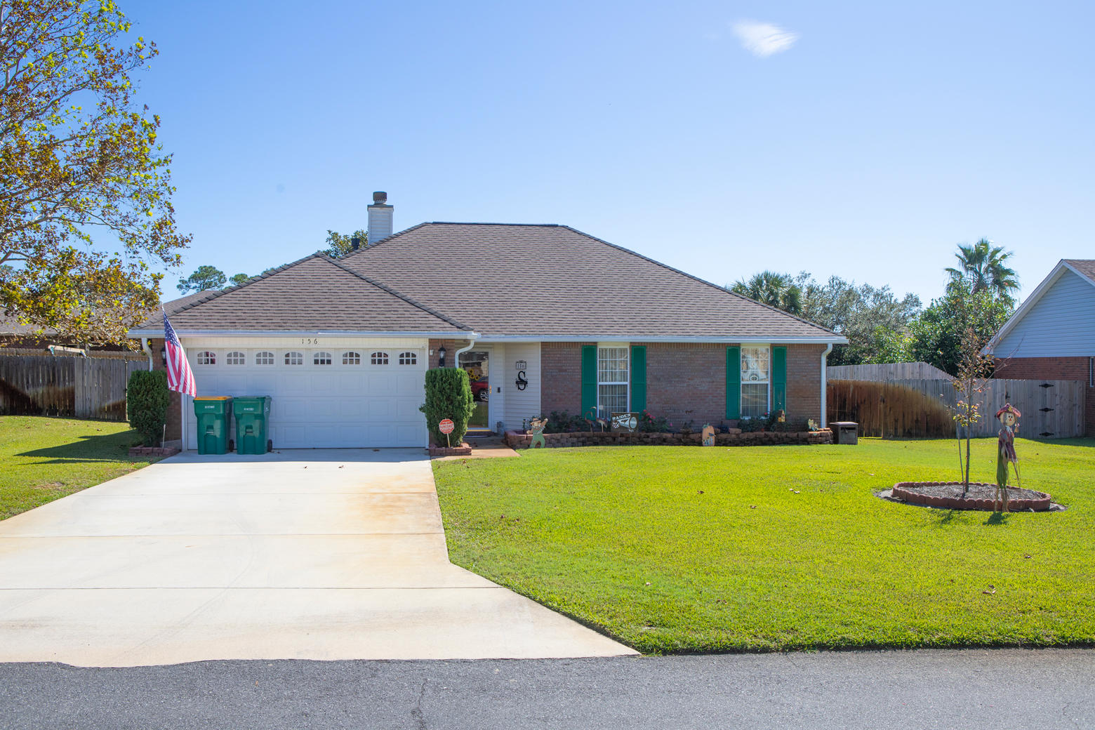 Photo of home for sale at 156 Long Pointe, Mary Esther FL
