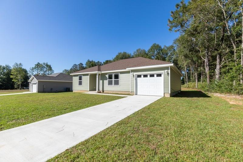 Photo of home for sale at 6114 Tansey, Crestview FL