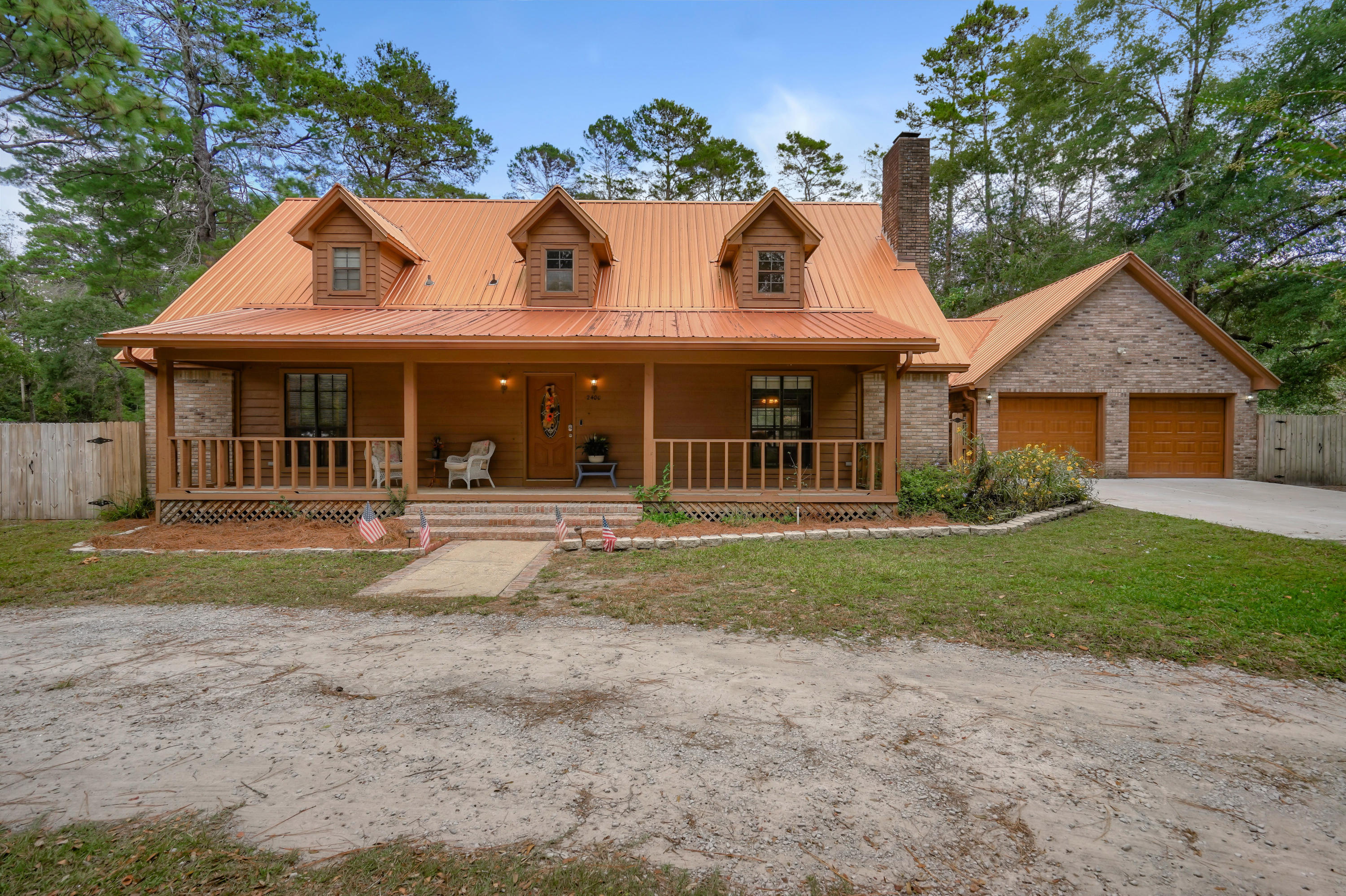 Photo of home for sale at 2400 Rocky Shores, Niceville FL