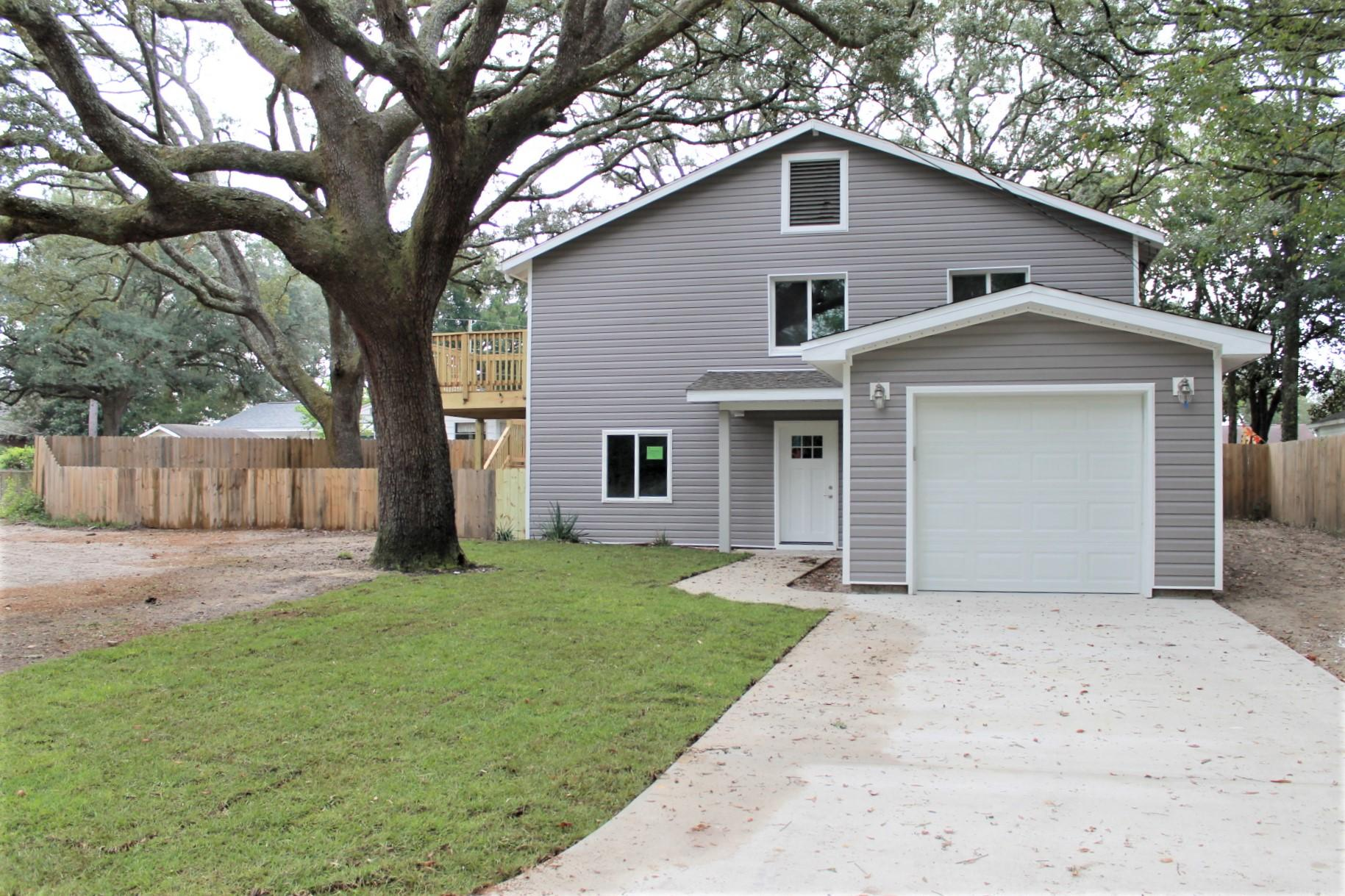A 4 Bedroom 4 Bedroom Powell S/d To Niceville Home