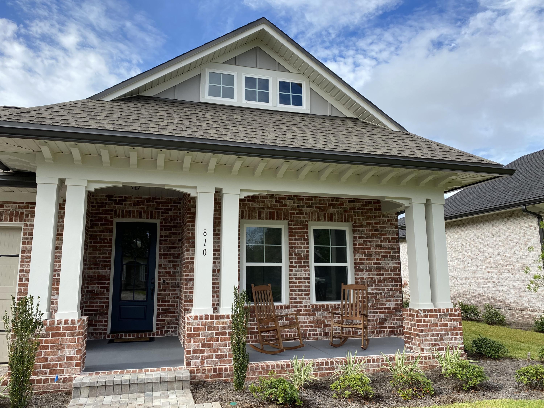 Photo of home for sale at 810 Raihope, Niceville FL