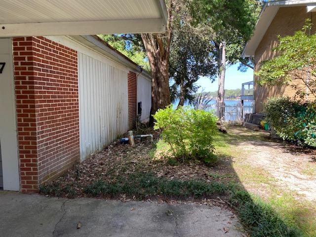 Photo of home for sale at 7 Carl Brandt, Shalimar FL