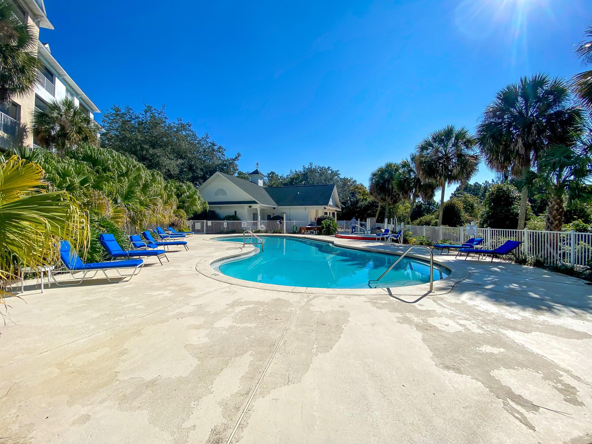 Photo of home for sale at 4270 Calinda, Niceville FL
