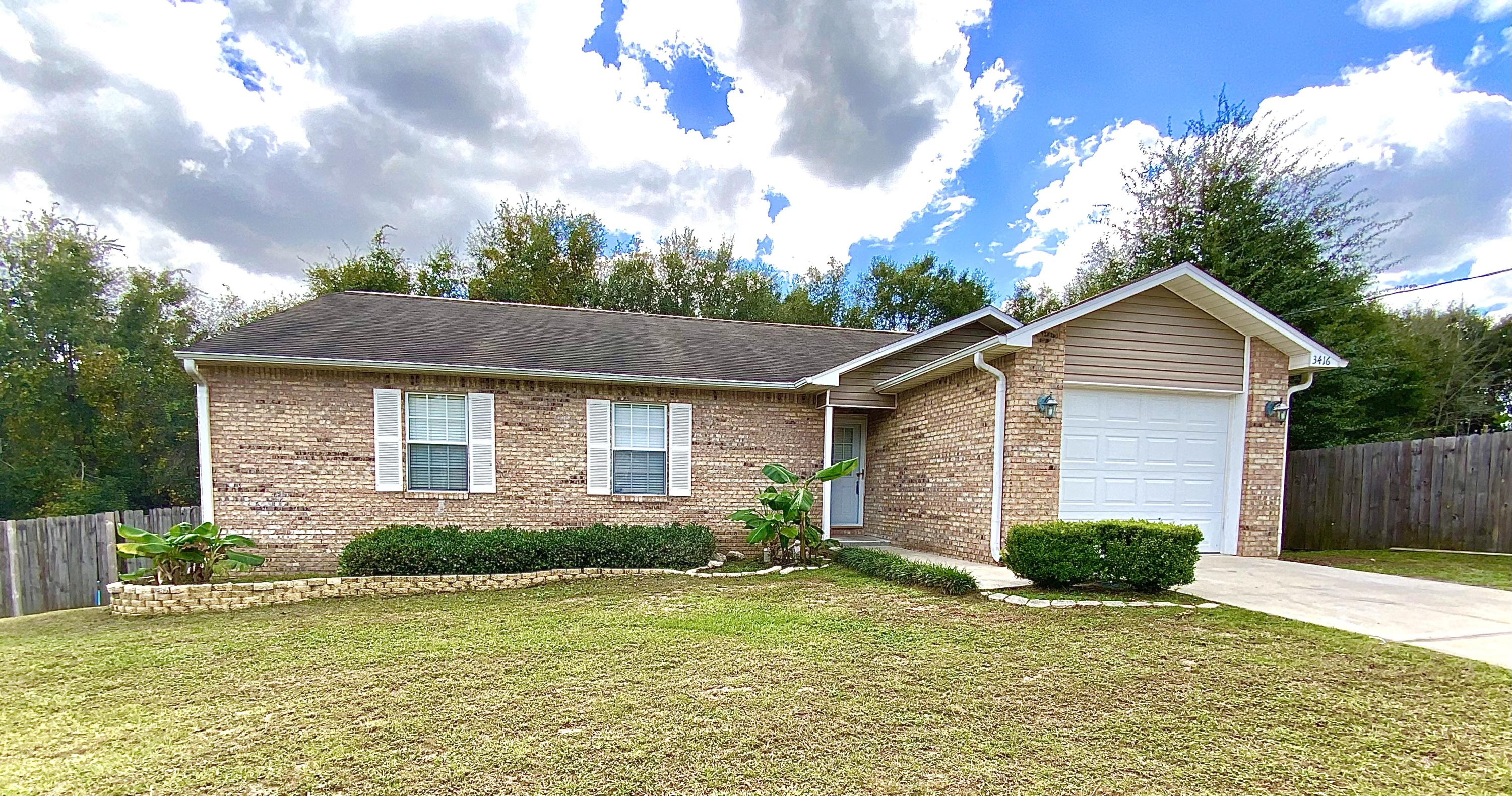 Photo of home for sale at 3416 Skymaster, Crestview FL