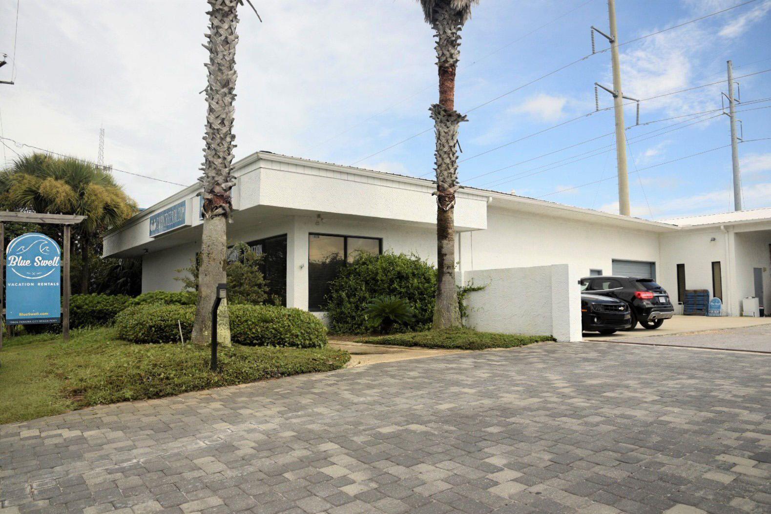 Photo of home for sale at 19806 Panama City Beach, Panama City Beach FL