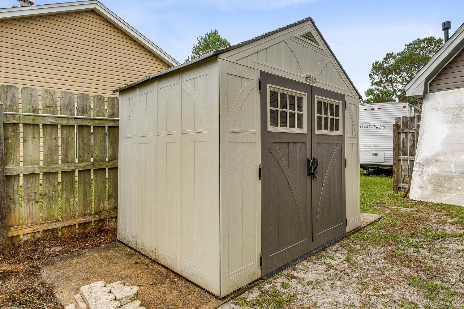 Photo of home for sale at 2164 Bellemeade, Navarre FL
