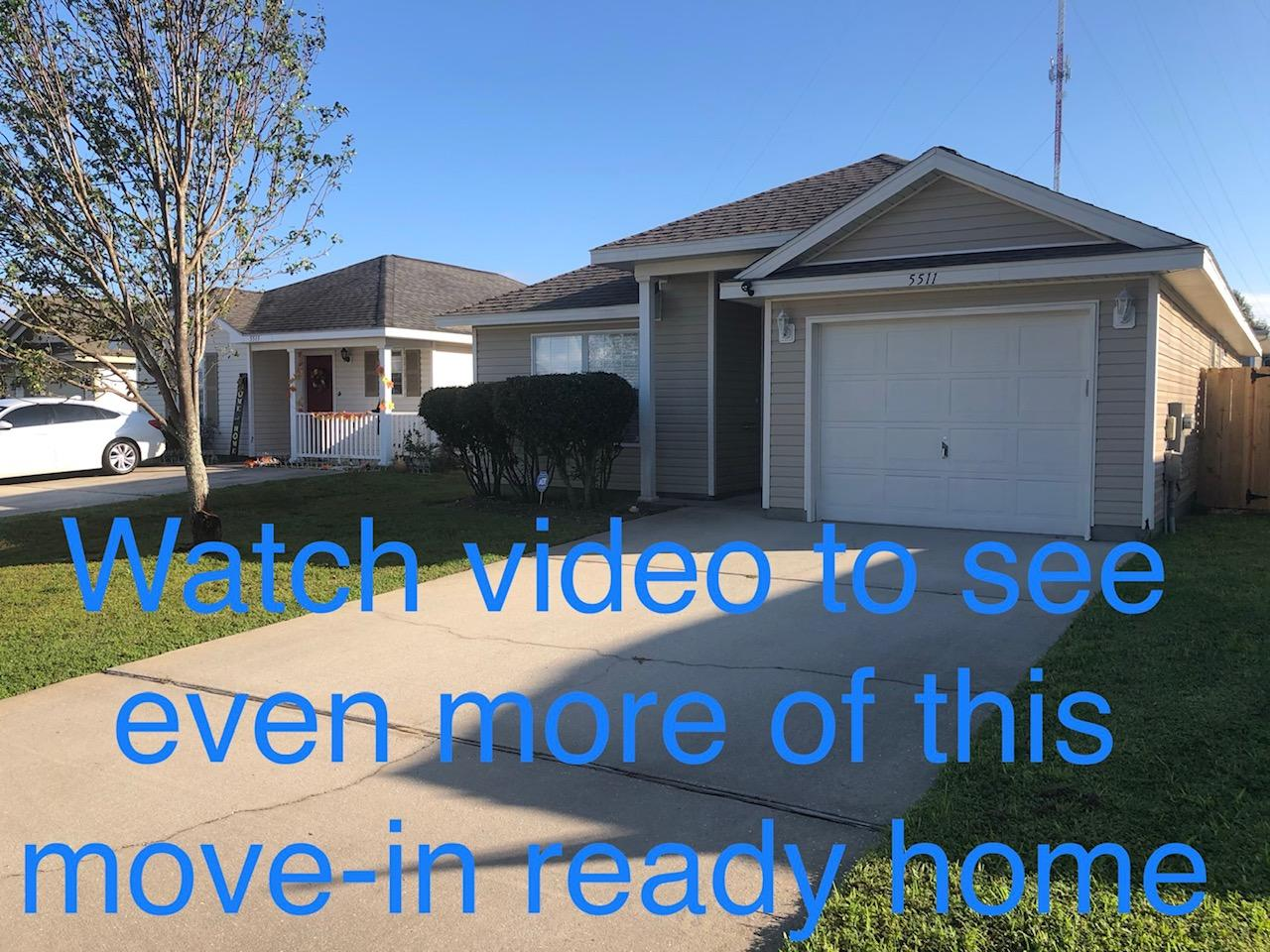 Photo of home for sale at 5511 Sea Spray, Gulf Breeze FL