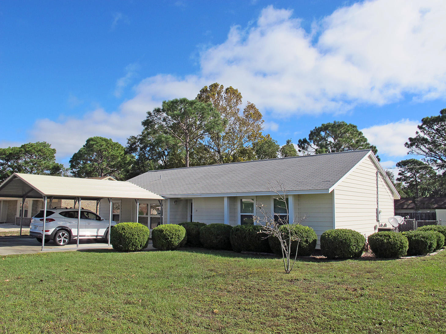 Photo of home for sale at 74 8th, Shalimar FL