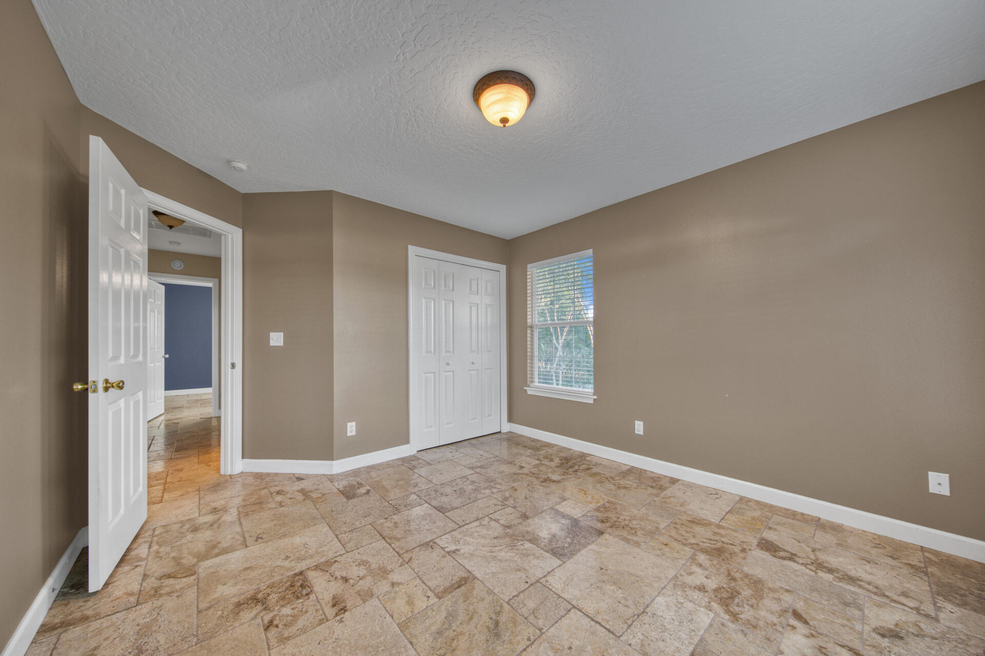 Photo of home for sale at 296 Tecumseh, Mary Esther FL