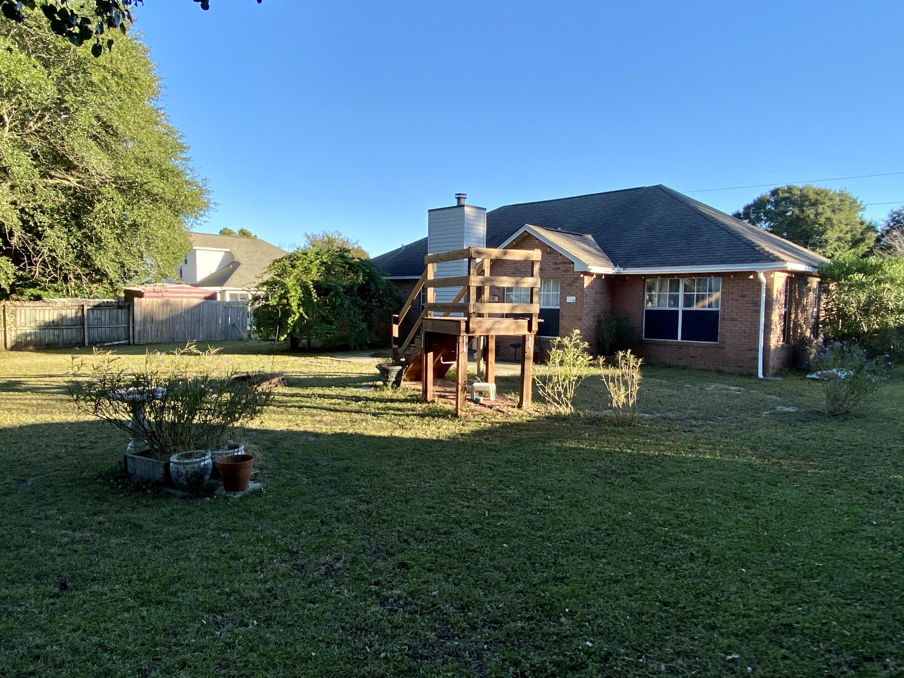Photo of home for sale at 1239 Gabrielle Drive, Crestview FL