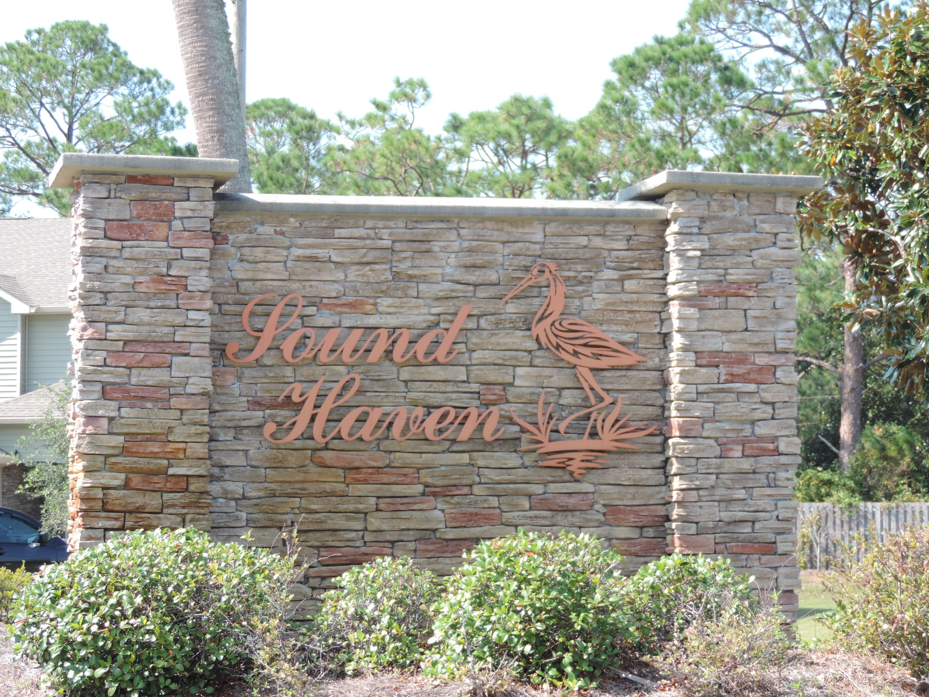 Photo of home for sale at 1719 Sound Haven, Navarre FL