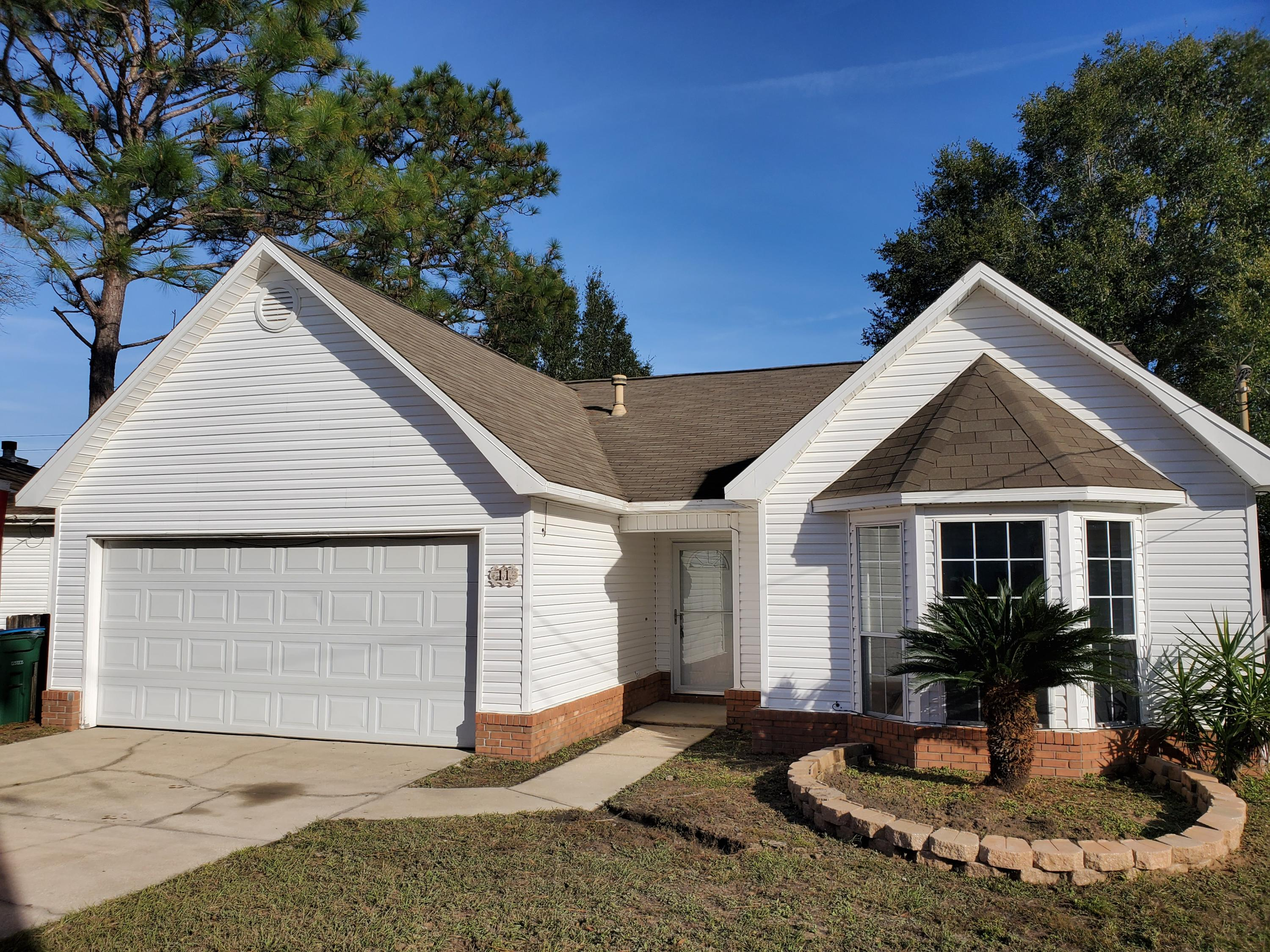 Photo of home for sale at 11 Courtney, Crestview FL