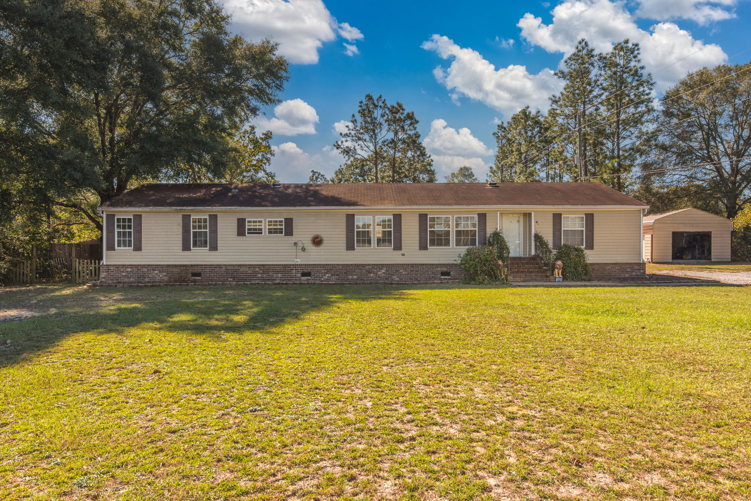Photo of home for sale at 3526 Horne Hollow, Crestview FL