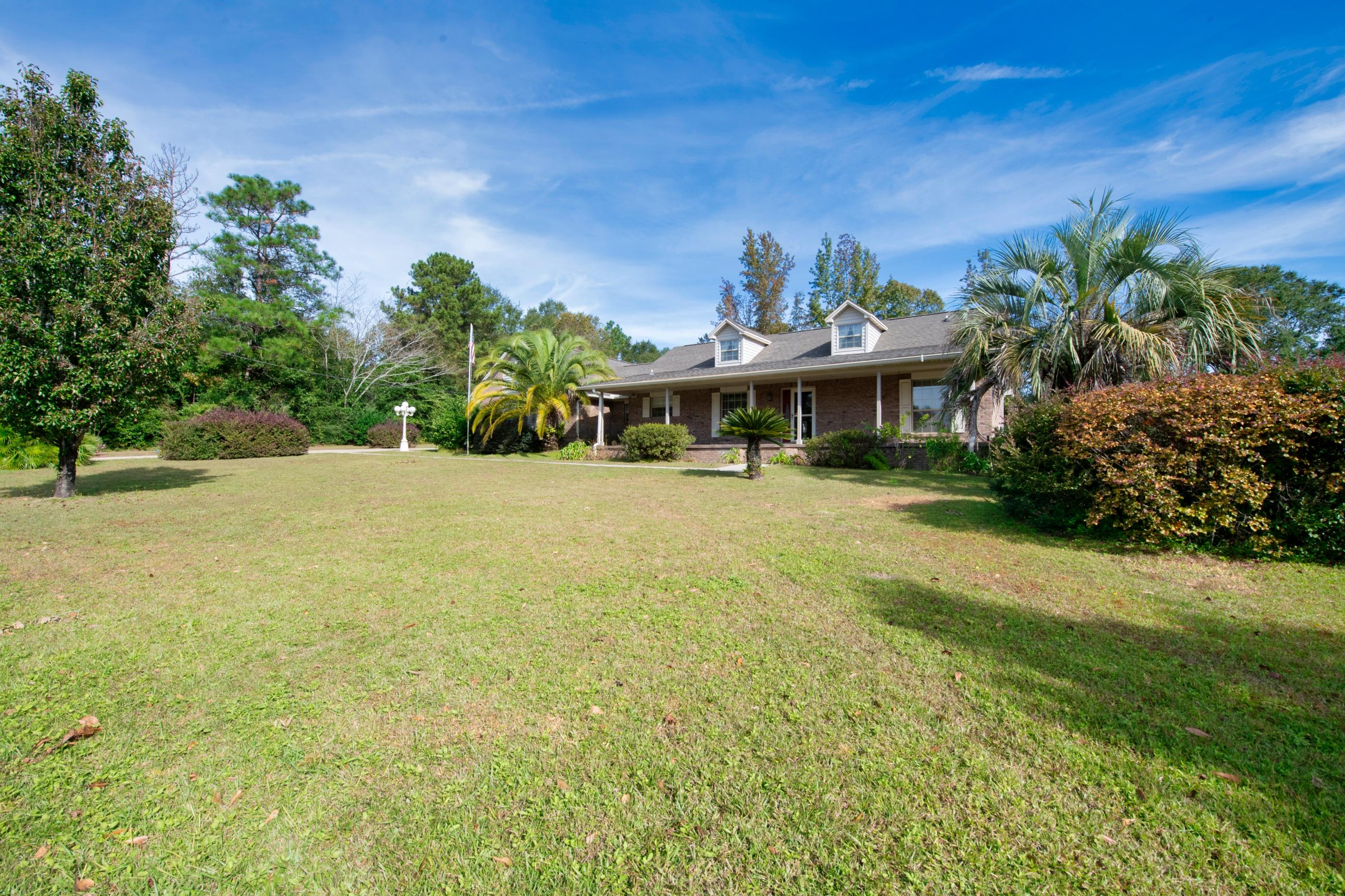 Photo of home for sale at 111 Overview, Crestview FL