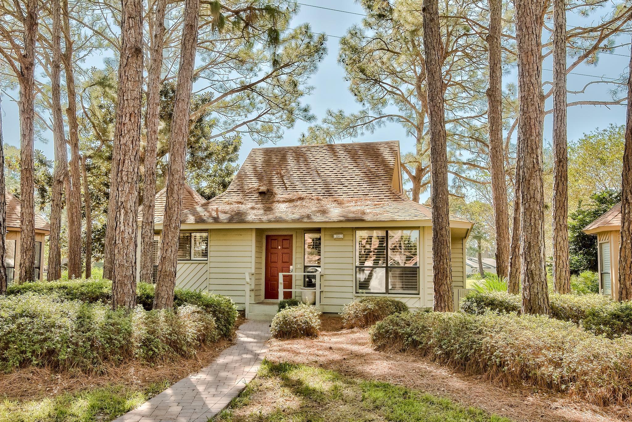 Photo of home for sale at 235 Audubon, Miramar Beach FL
