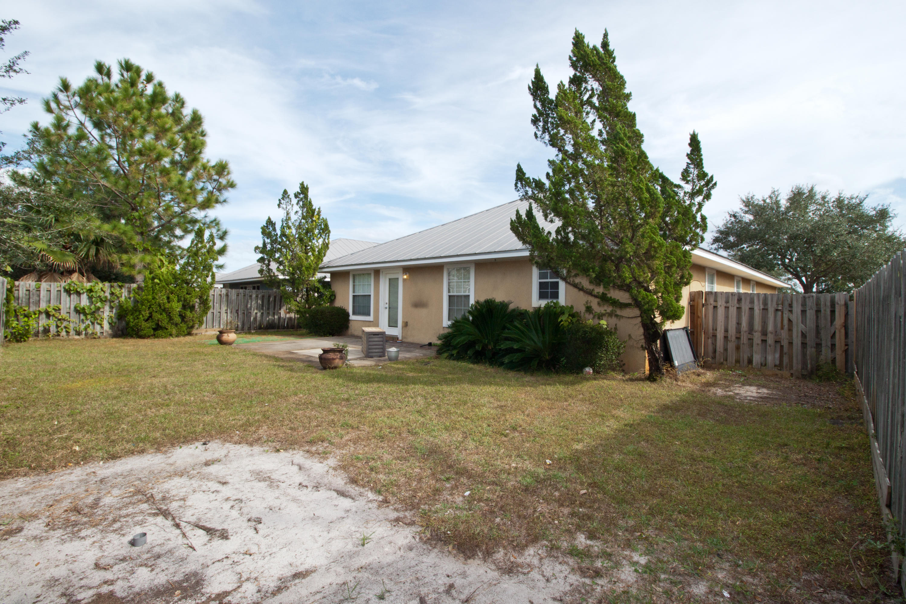 Photo of home for sale at 90 Harborview, Santa Rosa Beach FL