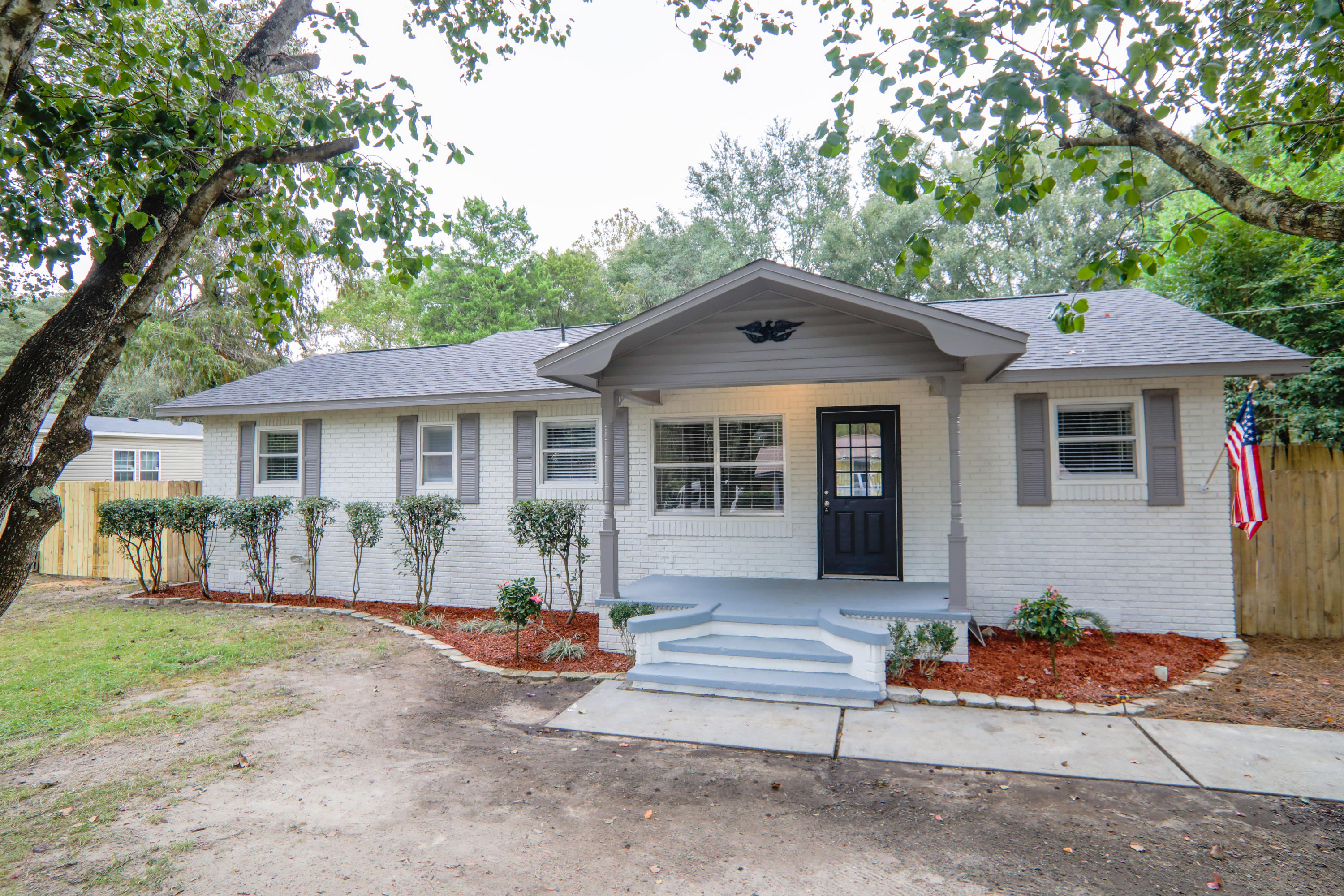 Photo of home for sale at 5361 Opportunity, Crestview FL
