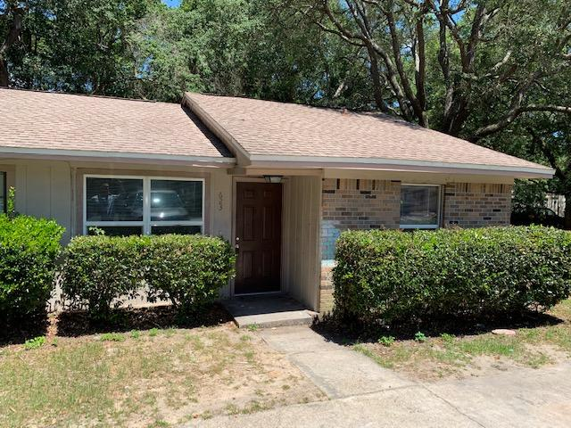 Photo of home for sale at 623 Crestview, Niceville FL