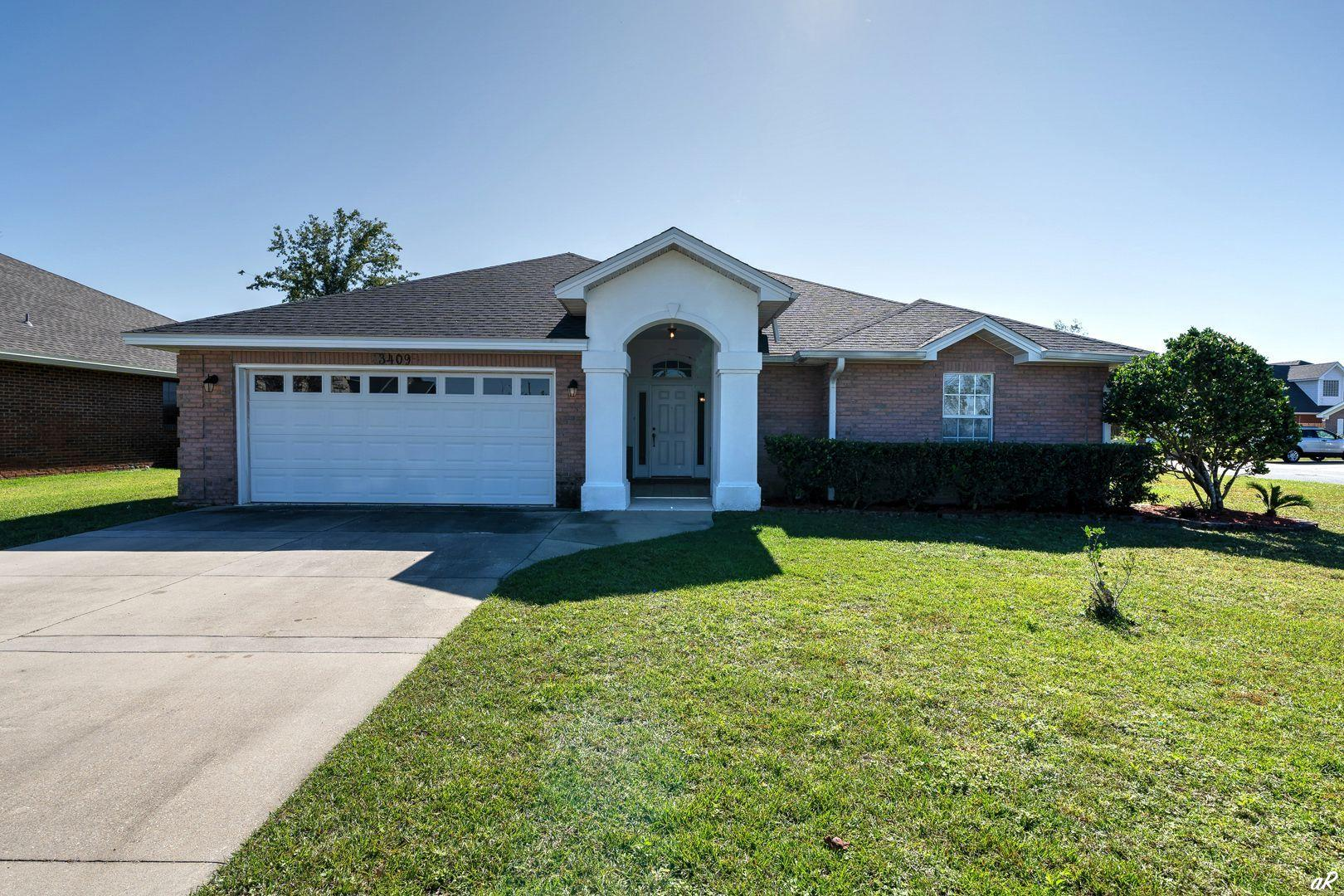 Photo of home for sale at 3409 Hillcrest, Panama City FL