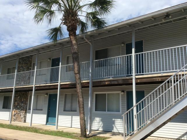 A 1 Bedroom 1 Bedroom College Park Condo Rental
