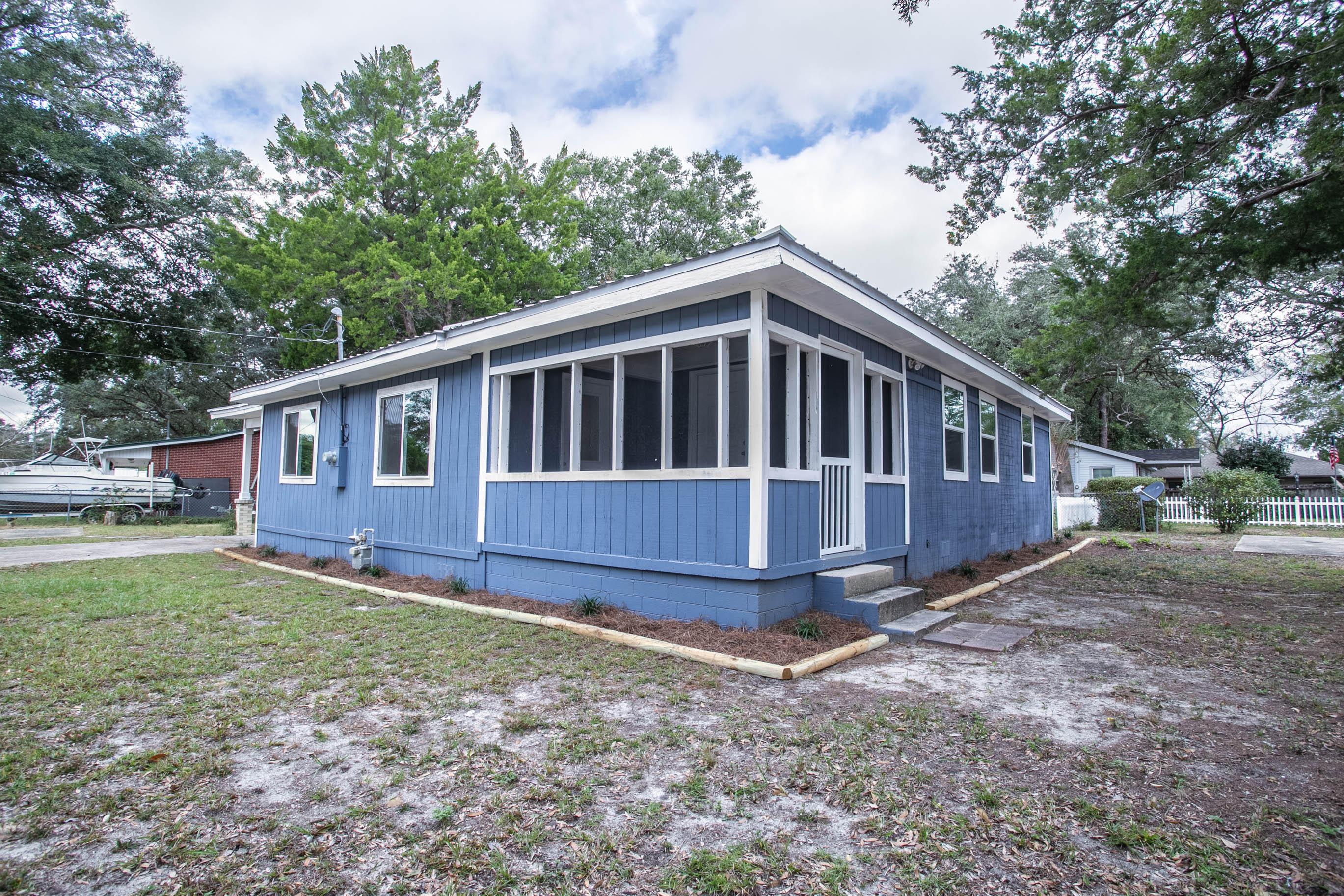 Photo of home for sale at 234 Deer, Niceville FL