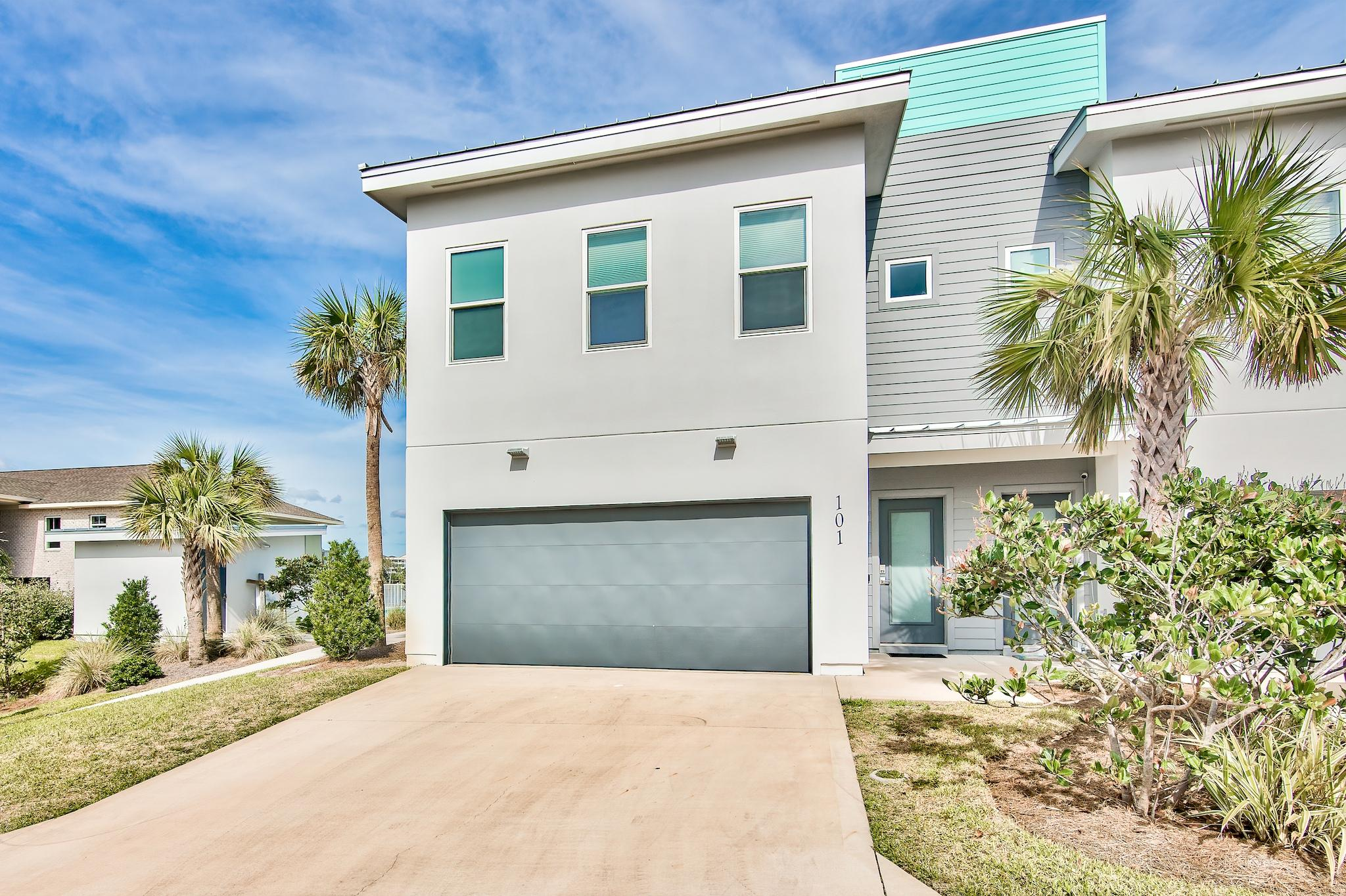 Photo of home for sale at 340 Bluefish, Fort Walton Beach FL