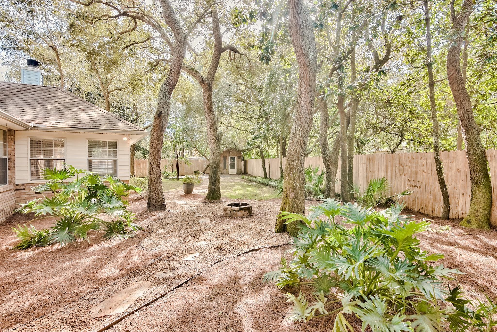 Photo of home for sale at 734 Vintage, Destin FL