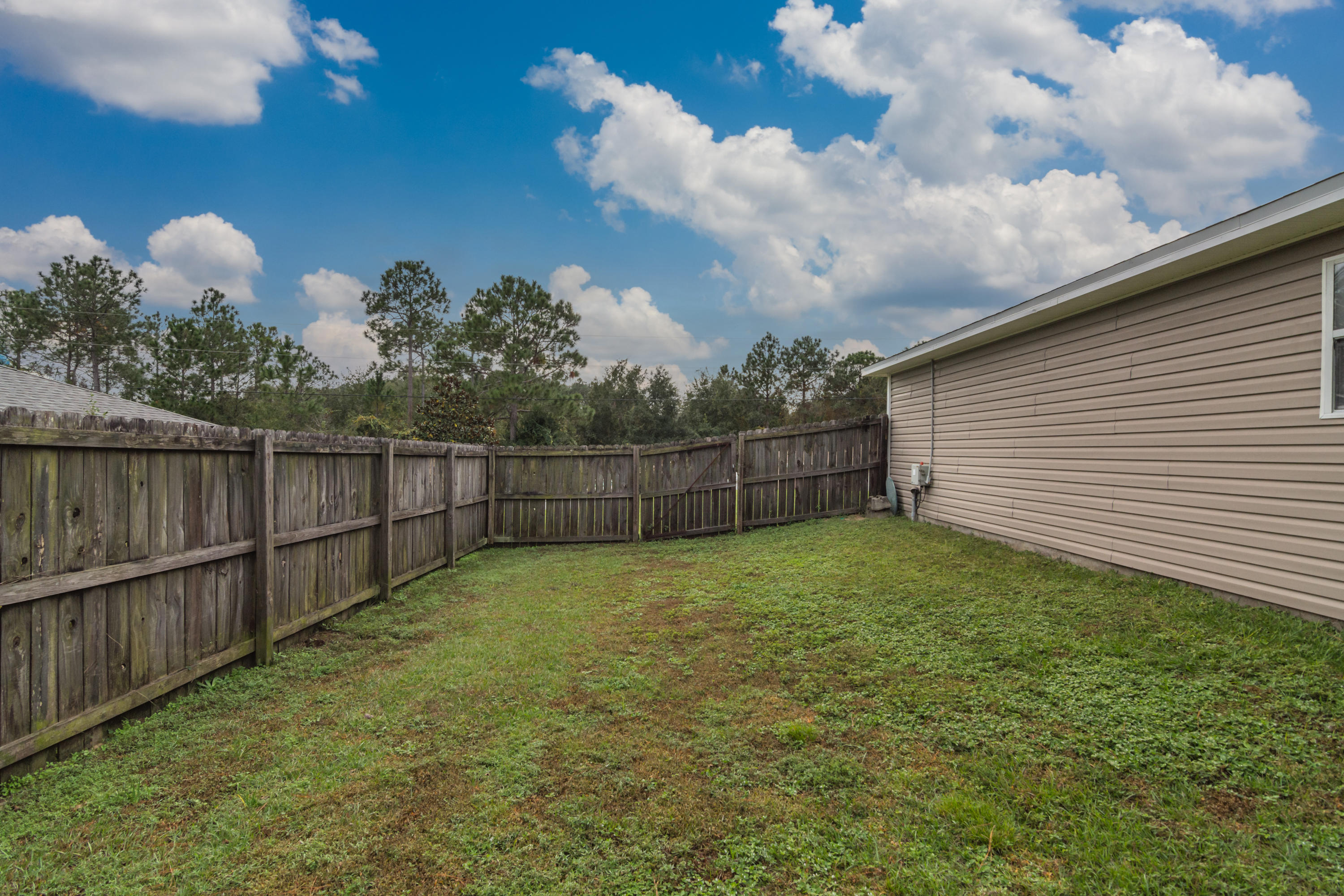 Photo of home for sale at 1326 Jeffrine, Crestview FL