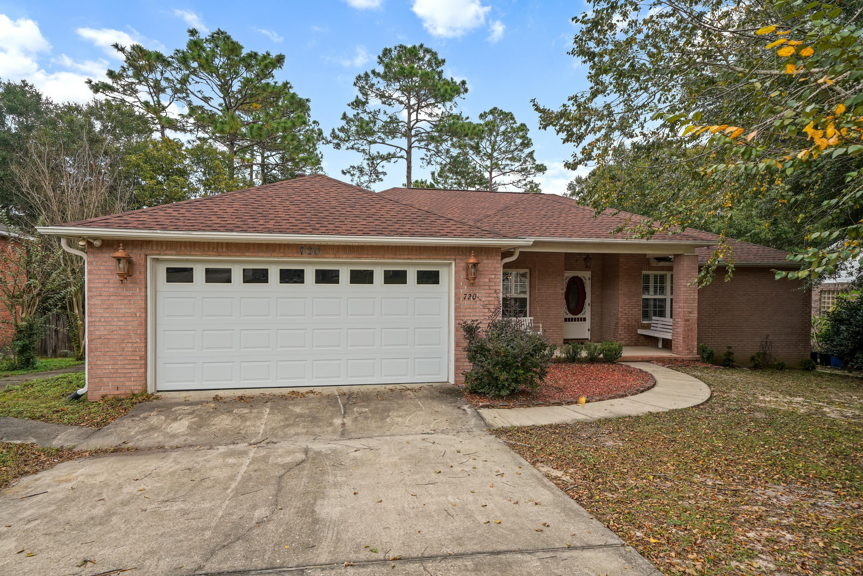 Photo of home for sale at 720 Riva Ridge, Crestview FL