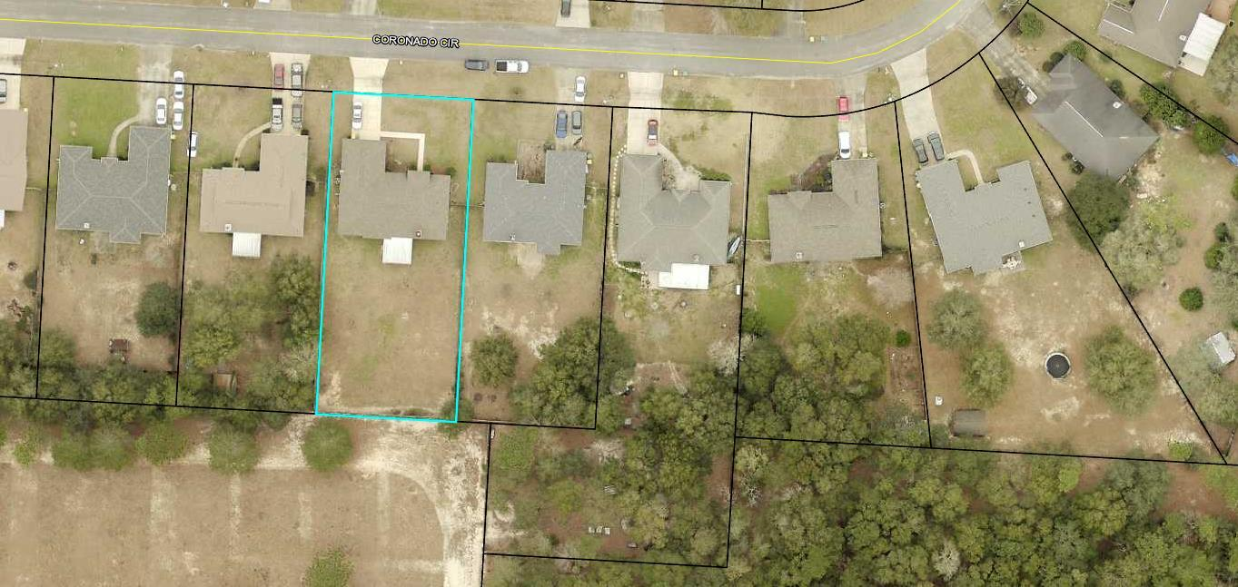 Photo of home for sale at 4775 Coronado, Crestview FL