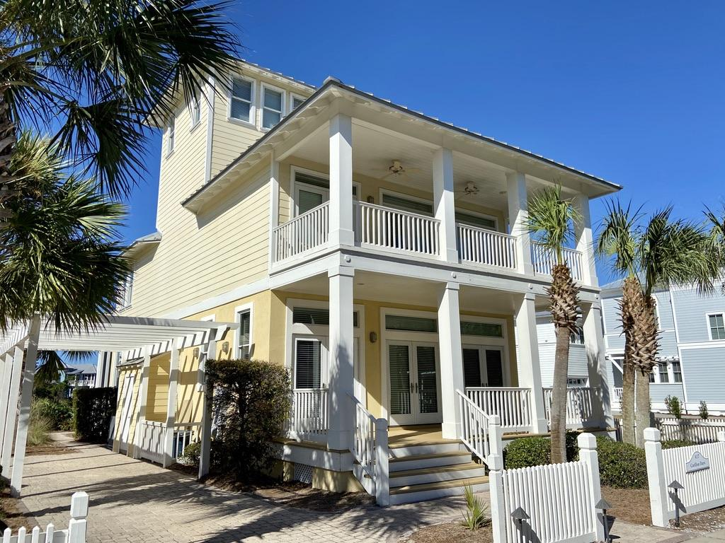 Photo of home for sale at 417 Lakefront, Panama City Beach FL