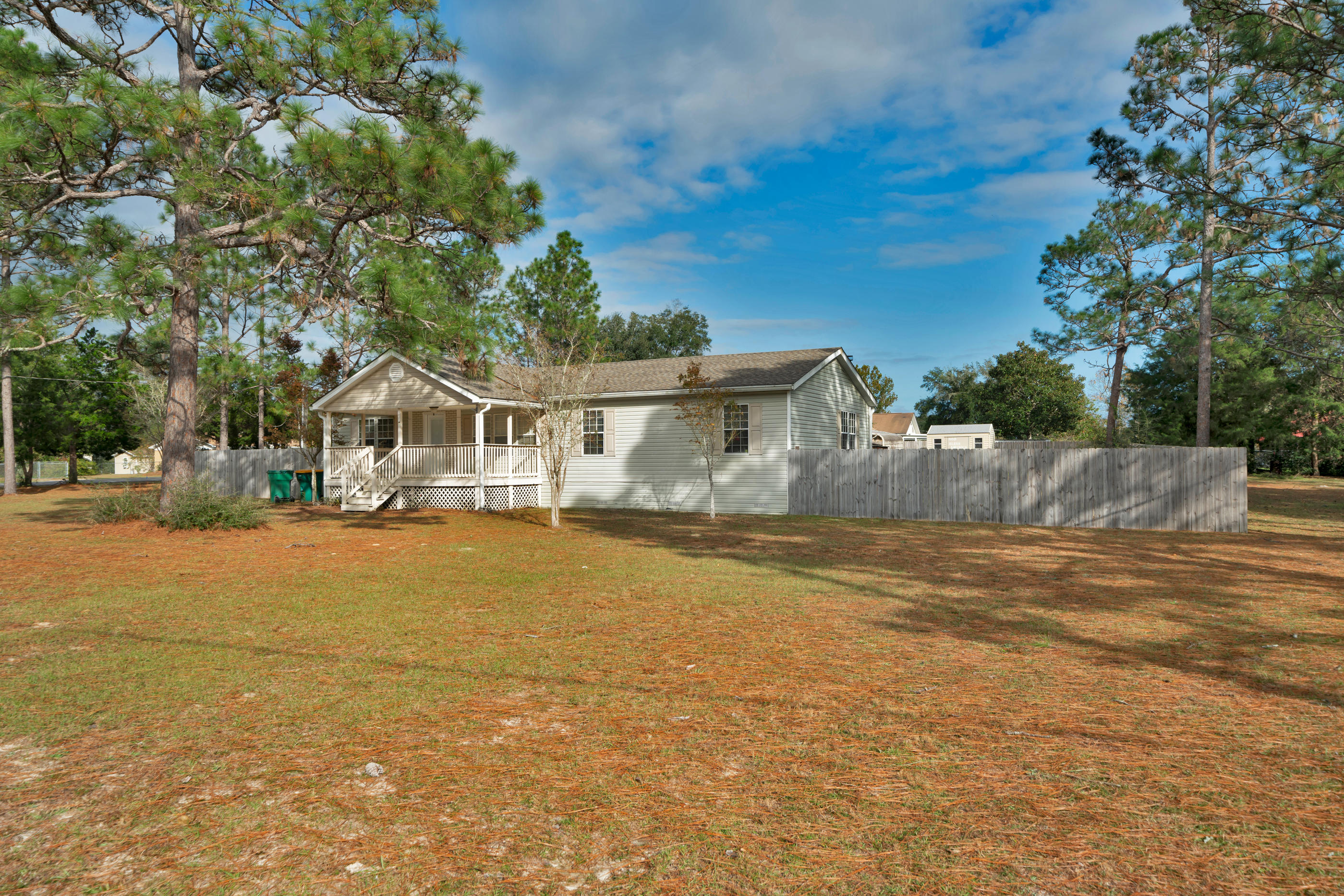 Photo of home for sale at 5395 Hillcrest, Crestview FL