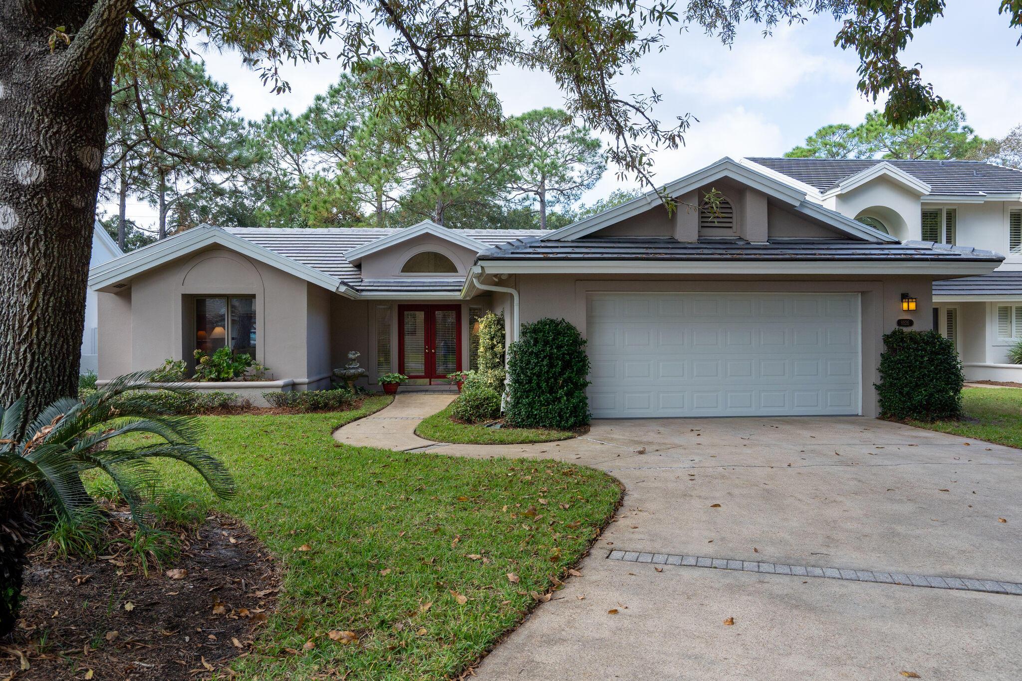 Photo of home for sale at 8826 Saint Andrews, Miramar Beach FL